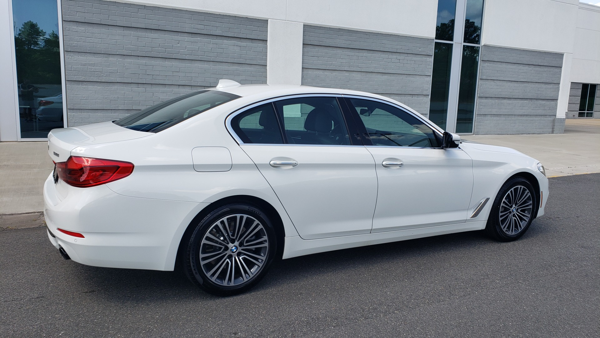 Used 2018 BMW 5 SERIES 530I XDRIVE PREMIUM / PARK ASST / NAV / SUNROOF / REARIEW for sale $37,795 at Formula Imports in Charlotte NC 28227 7