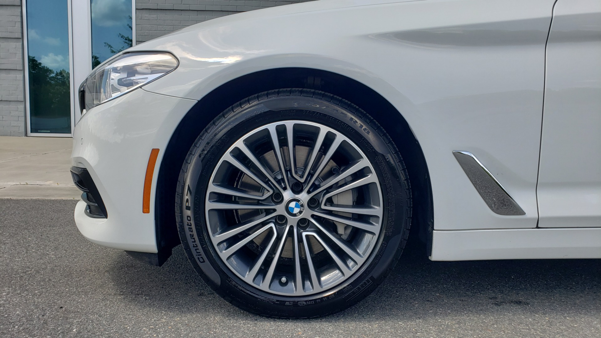 Used 2018 BMW 5 SERIES 530I XDRIVE PREMIUM / PARK ASST / NAV / SUNROOF / REARIEW for sale $37,795 at Formula Imports in Charlotte NC 28227 74