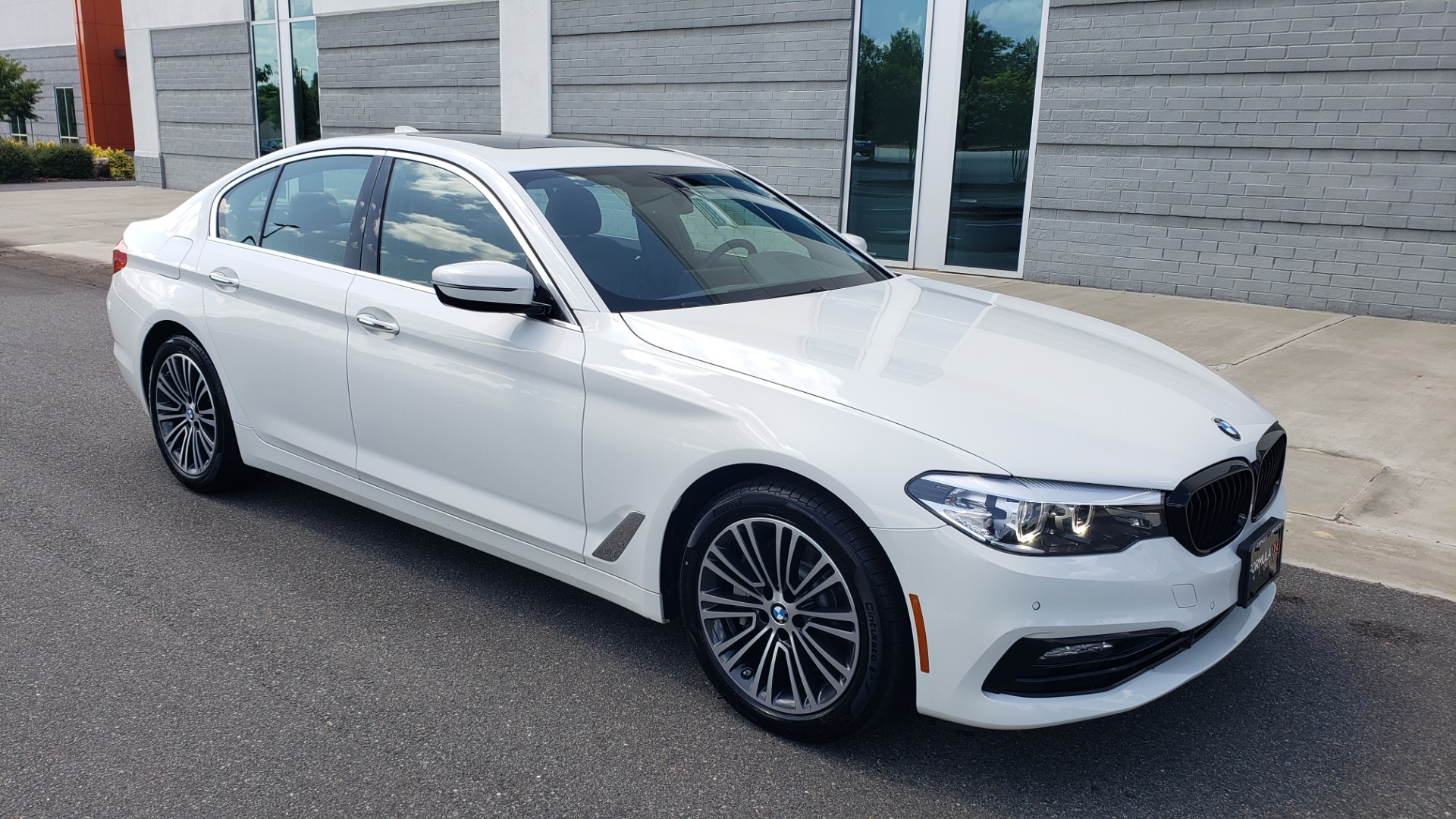 Used 2018 BMW 5 SERIES 530I XDRIVE PREMIUM / PARK ASST / NAV / SUNROOF / REARIEW for sale $37,795 at Formula Imports in Charlotte NC 28227 9