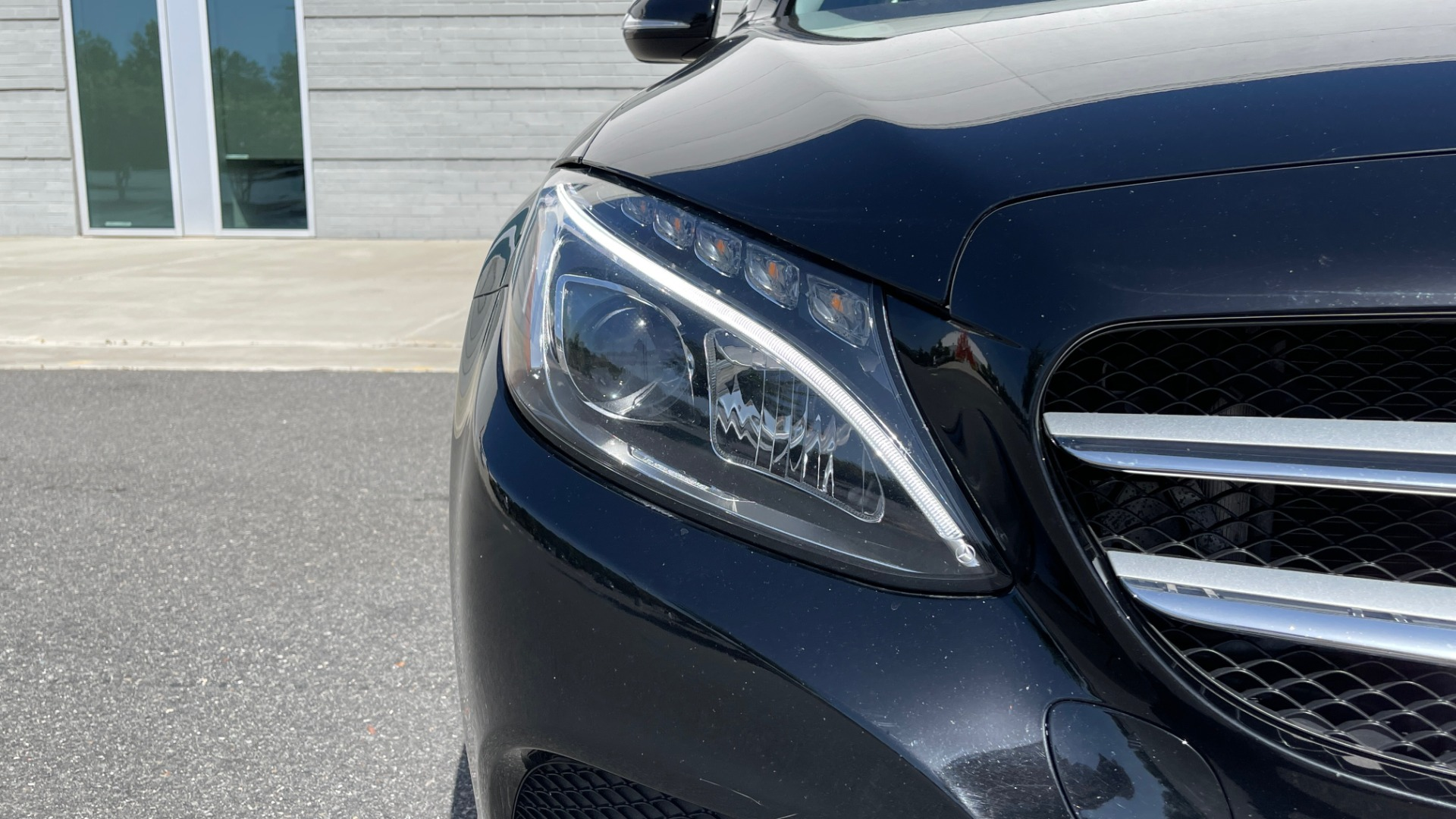 Used 2015 Mercedes-Benz C-CLASS C 300 4MATIC PREMIUM / MULTI MEDIA PKG / BSA / REARVIEW for sale $21,795 at Formula Imports in Charlotte NC 28227 10
