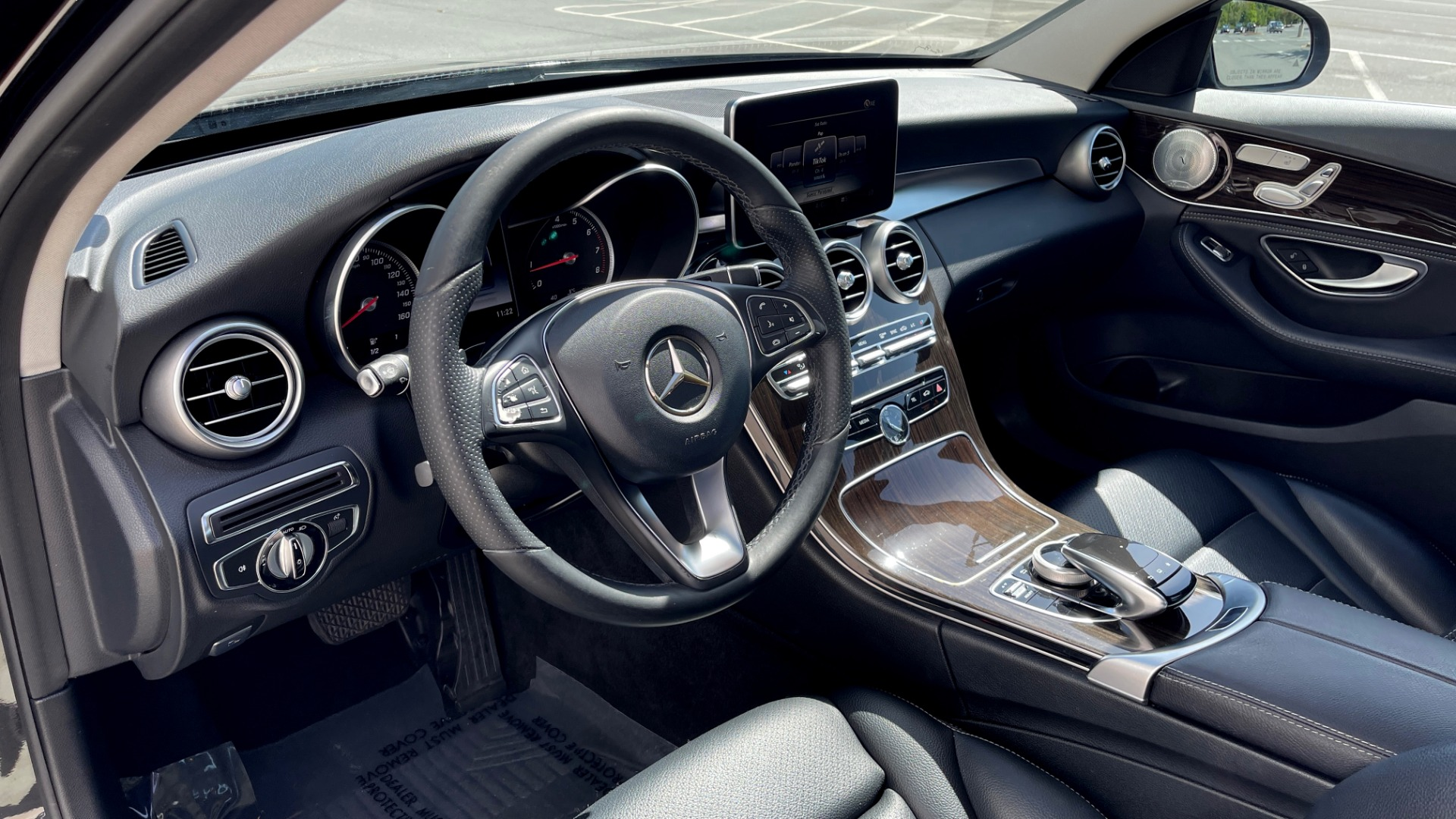 Used 2015 Mercedes-Benz C-CLASS C 300 4MATIC PREMIUM / MULTI MEDIA PKG / BSA / REARVIEW for sale $21,795 at Formula Imports in Charlotte NC 28227 28