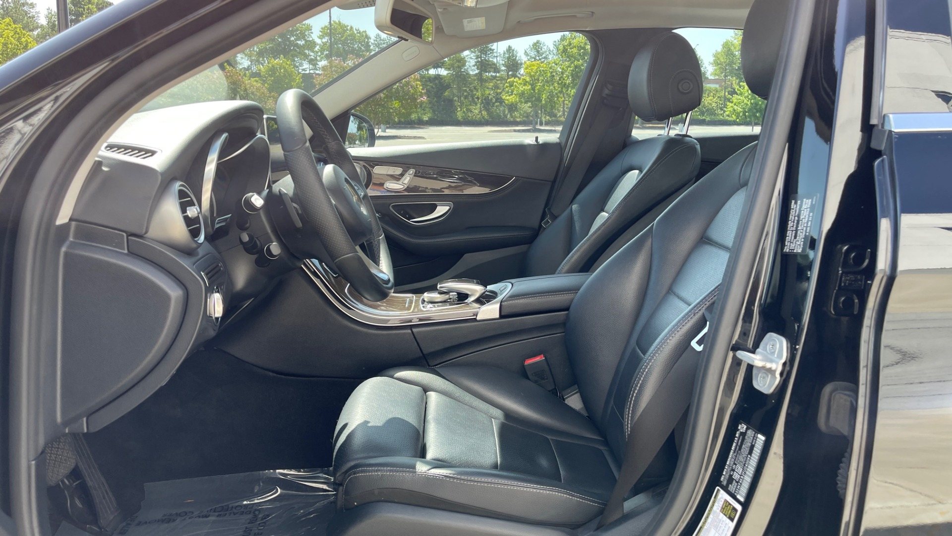 Used 2015 Mercedes-Benz C-CLASS C 300 4MATIC PREMIUM / MULTI MEDIA PKG / BSA / REARVIEW for sale $21,795 at Formula Imports in Charlotte NC 28227 29