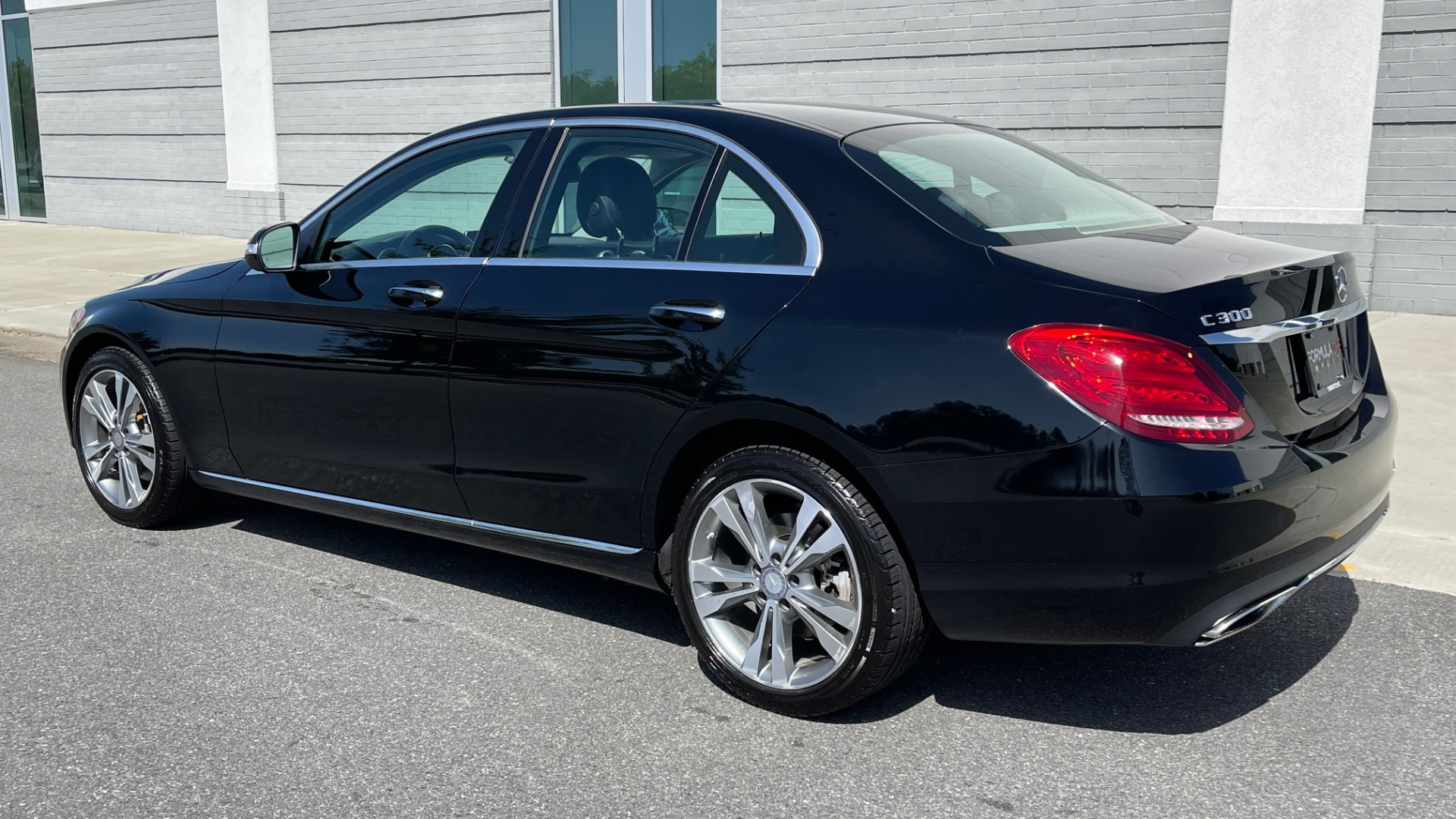 Used 2015 Mercedes-Benz C-CLASS C 300 4MATIC PREMIUM / MULTI MEDIA PKG / BSA / REARVIEW for sale $21,795 at Formula Imports in Charlotte NC 28227 5