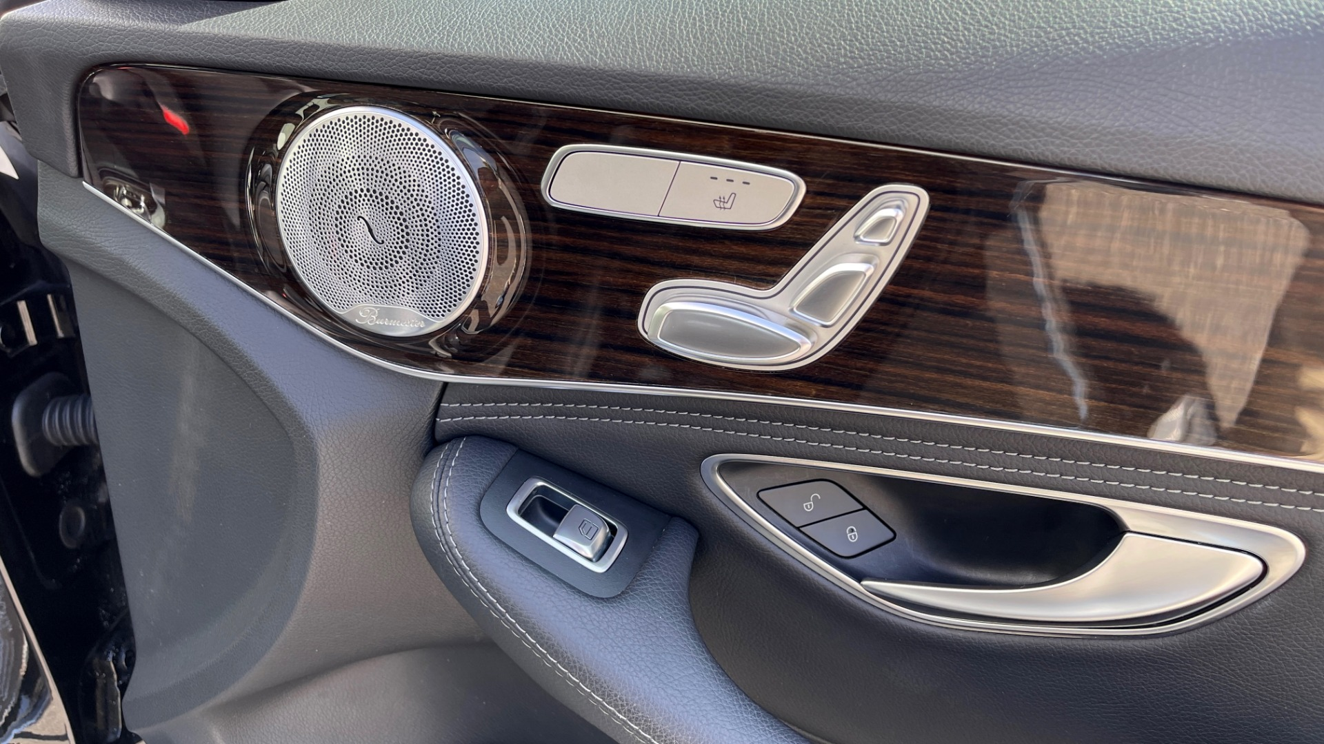 Used 2015 Mercedes-Benz C-CLASS C 300 4MATIC PREMIUM / MULTI MEDIA PKG / BSA / REARVIEW for sale $21,795 at Formula Imports in Charlotte NC 28227 57