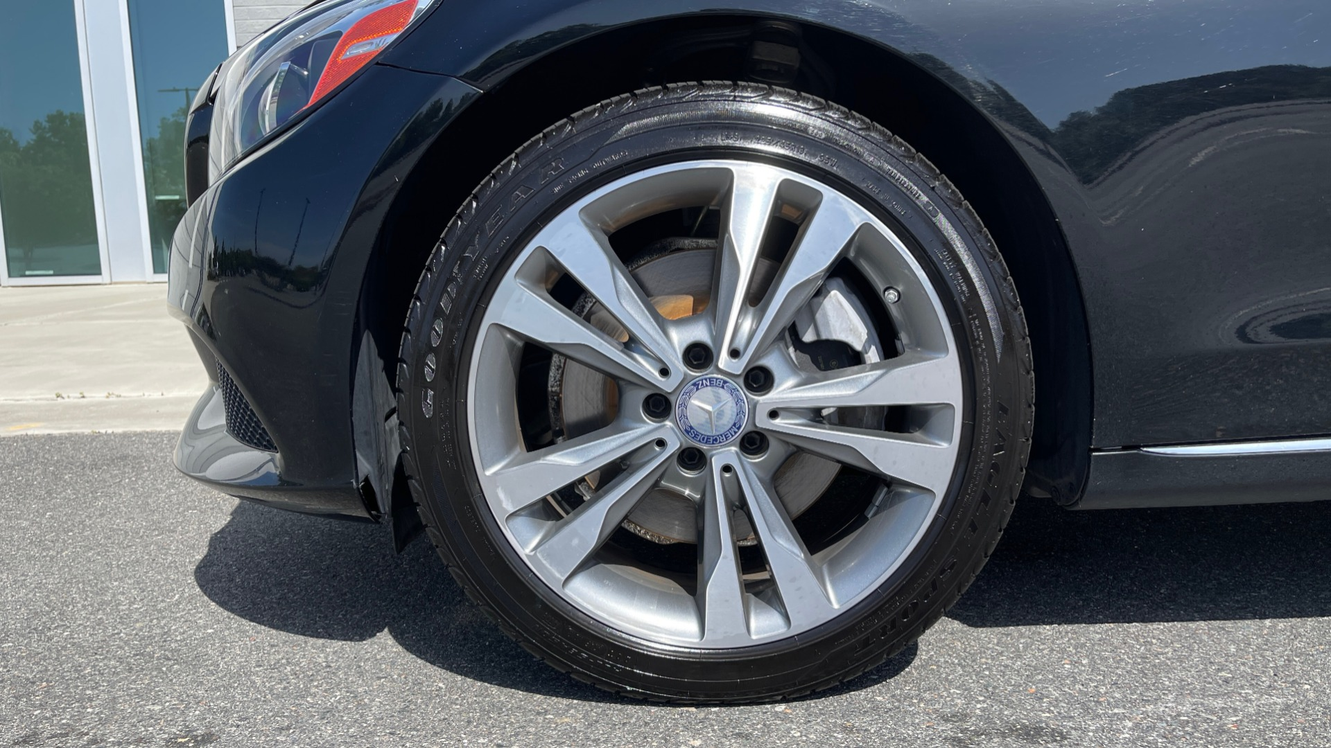 Used 2015 Mercedes-Benz C-CLASS C 300 4MATIC PREMIUM / MULTI MEDIA PKG / BSA / REARVIEW for sale $21,795 at Formula Imports in Charlotte NC 28227 60