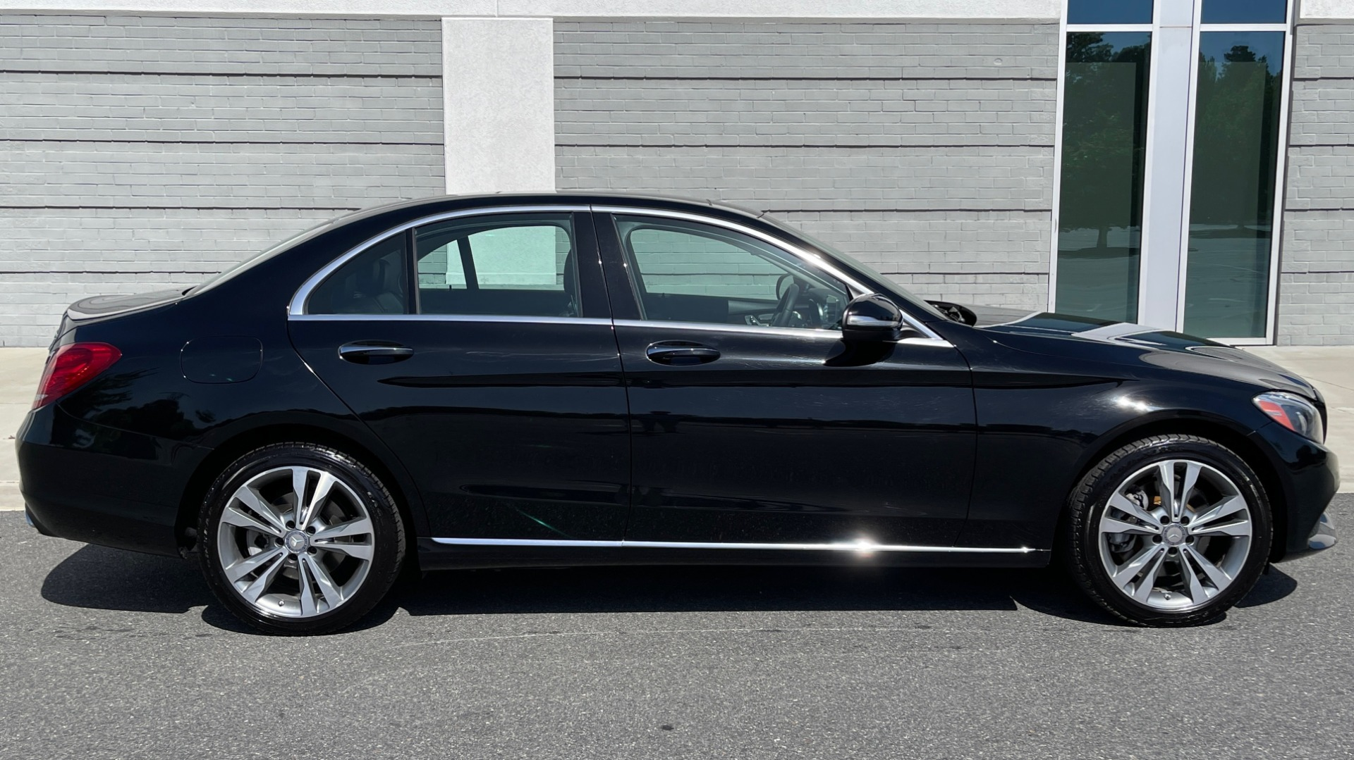 Used 2015 Mercedes-Benz C-CLASS C 300 4MATIC PREMIUM / MULTI MEDIA PKG / BSA / REARVIEW for sale $21,795 at Formula Imports in Charlotte NC 28227 7