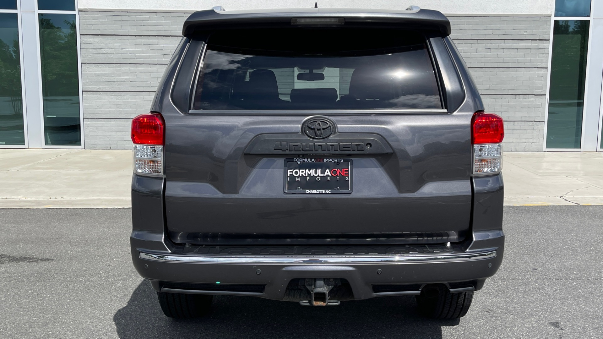 Used 2011 Toyota 4RUNNER SR5 4X4 V6 / 5-SPD AUTO / SUNROOF / POWER FRONT SEATS for sale $19,999 at Formula Imports in Charlotte NC 28227 17