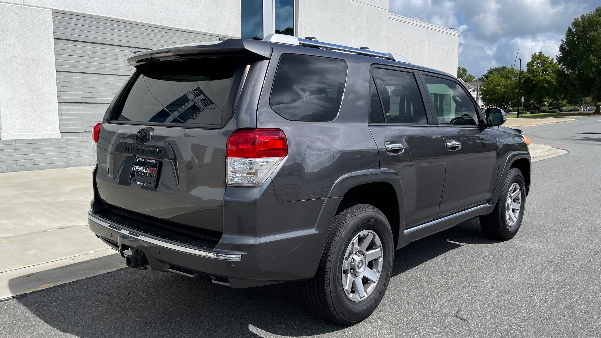 Used 2011 Toyota 4RUNNER SR5 4X4 V6 / 5-SPD AUTO / SUNROOF / POWER FRONT SEATS for sale $19,999 at Formula Imports in Charlotte NC 28227 20