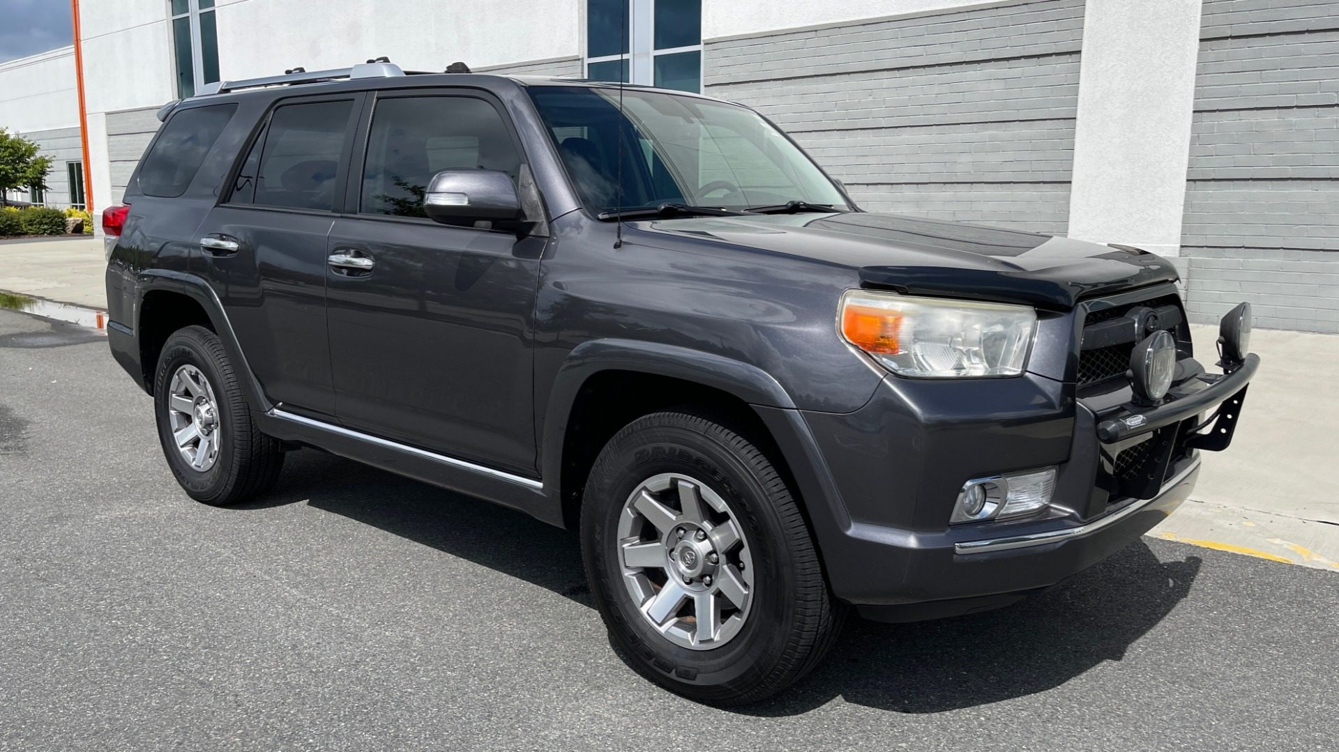 Used 2011 Toyota 4RUNNER SR5 4X4 V6 / 5-SPD AUTO / SUNROOF / POWER FRONT SEATS for sale $19,999 at Formula Imports in Charlotte NC 28227 22