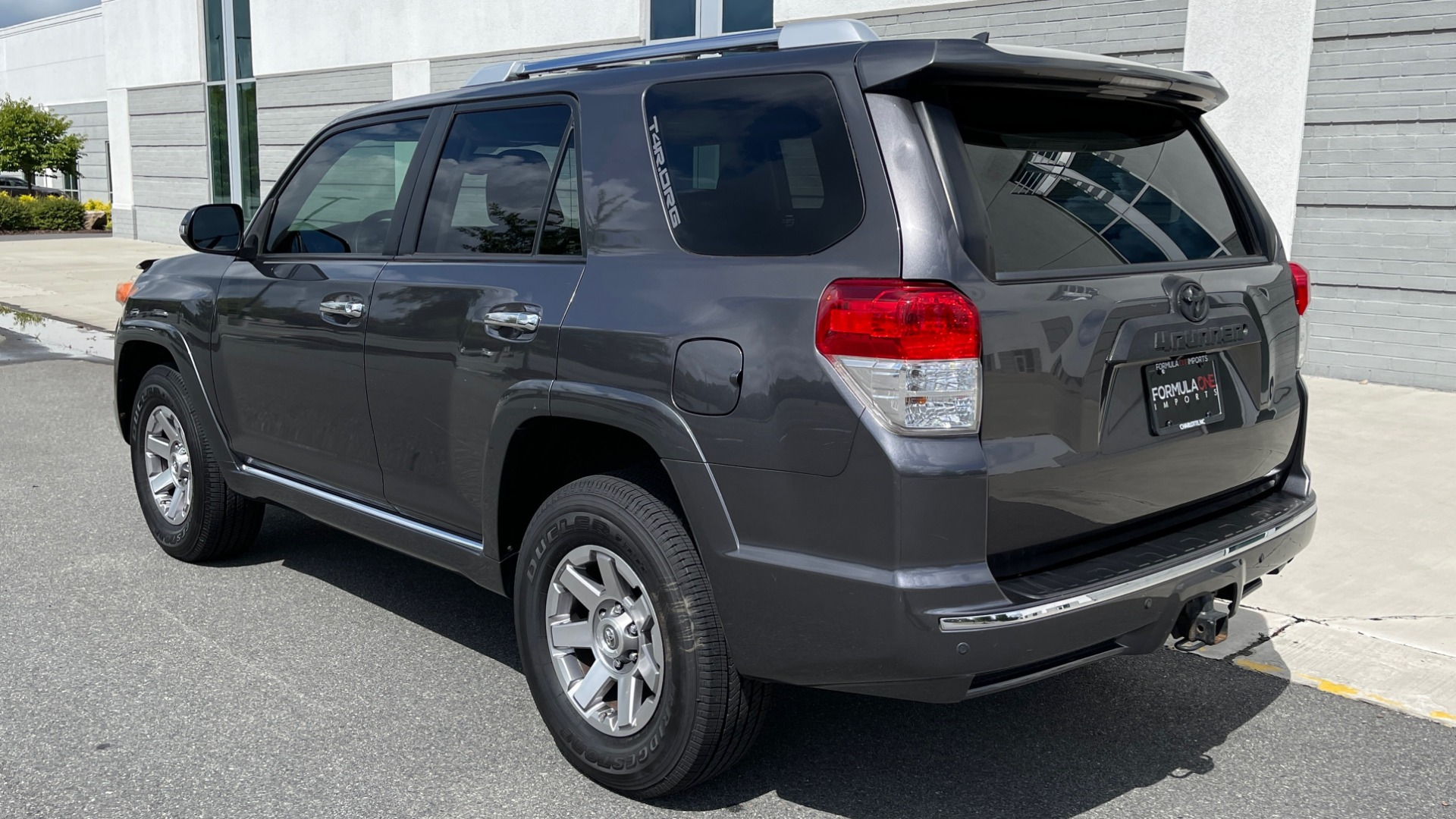 Used 2011 Toyota 4RUNNER SR5 4X4 V6 / 5-SPD AUTO / SUNROOF / POWER FRONT SEATS for sale $19,999 at Formula Imports in Charlotte NC 28227 4