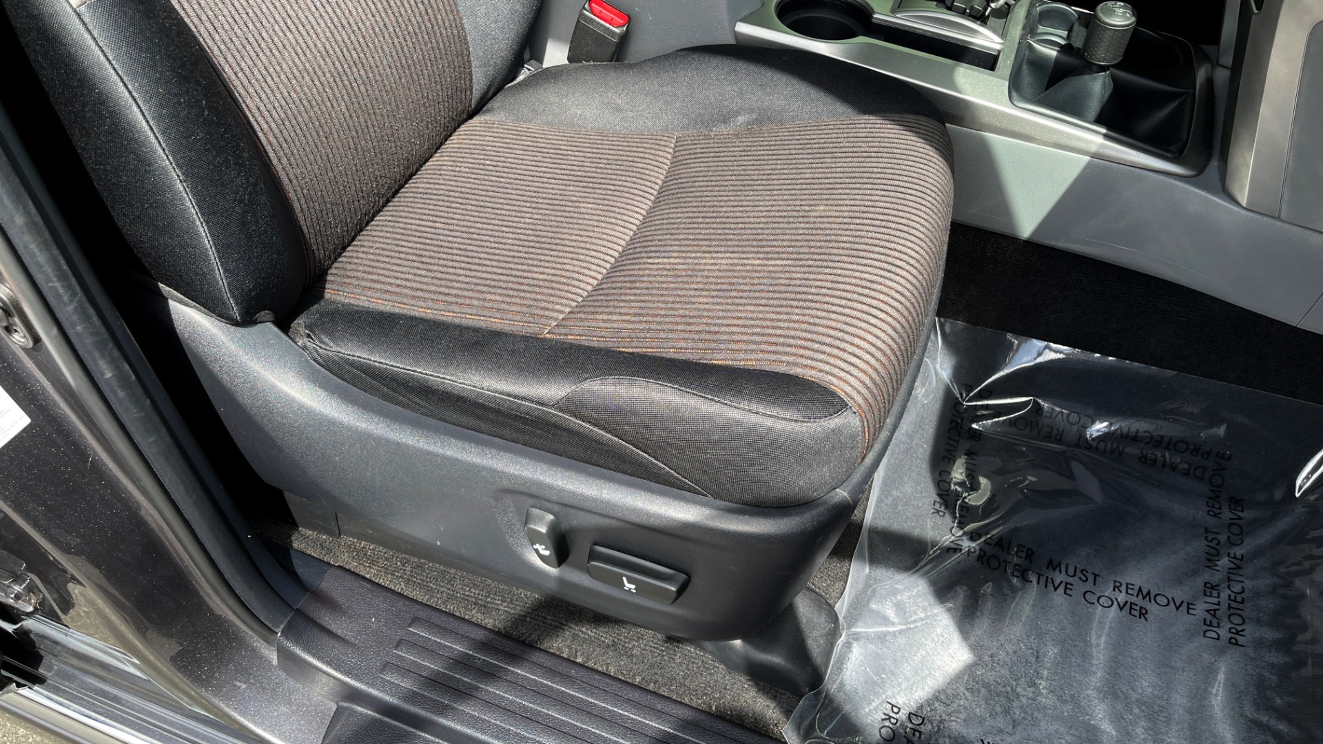 Used 2011 Toyota 4RUNNER SR5 4X4 V6 / 5-SPD AUTO / SUNROOF / POWER FRONT SEATS for sale $19,999 at Formula Imports in Charlotte NC 28227 58