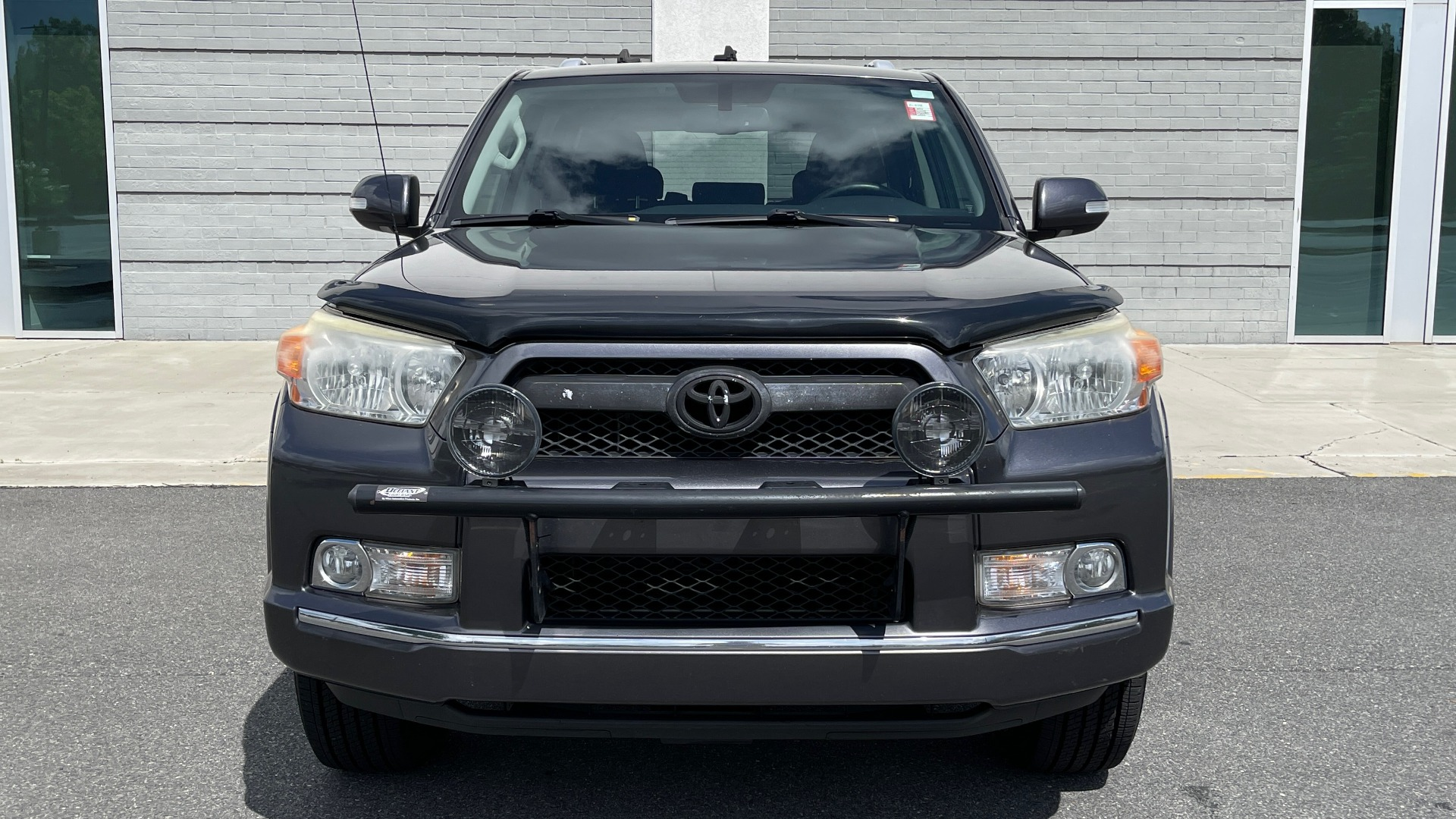 Used 2011 Toyota 4RUNNER SR5 4X4 V6 / 5-SPD AUTO / SUNROOF / POWER FRONT SEATS for sale $19,999 at Formula Imports in Charlotte NC 28227 7