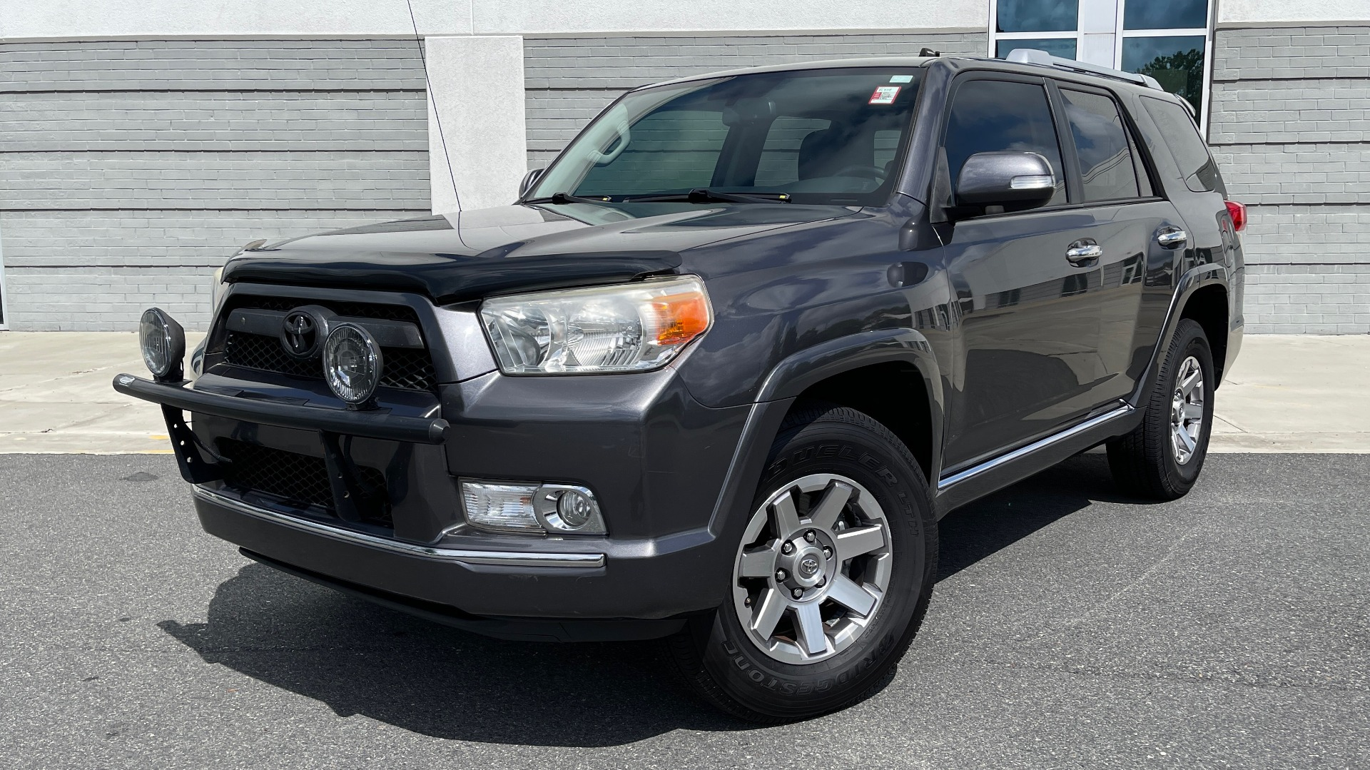 Used 2011 Toyota 4RUNNER SR5 4X4 V6 / 5-SPD AUTO / SUNROOF / POWER FRONT SEATS for sale $19,999 at Formula Imports in Charlotte NC 28227 1