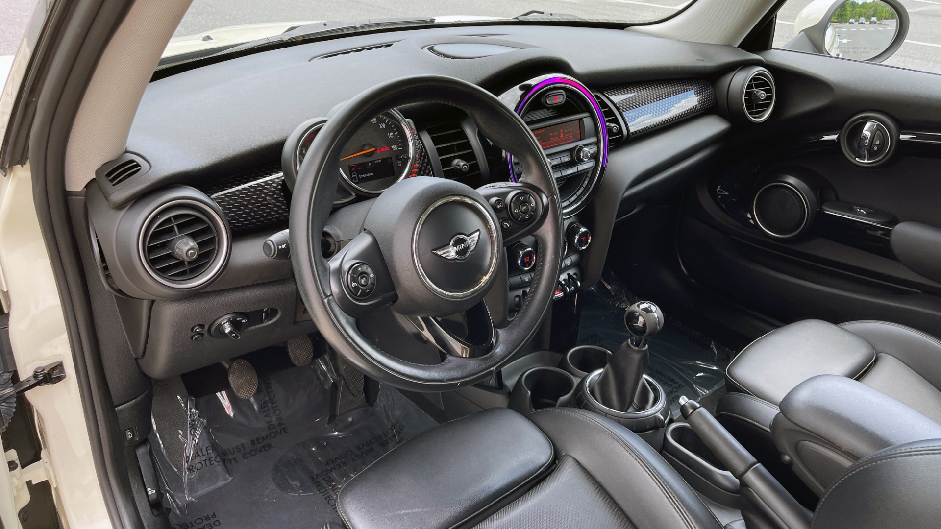Used 2015 MINI COOPER HARDTOP S 2DR / 2.0L TURBO / FWD / 6-SPD MANUAL for sale $15,495 at Formula Imports in Charlotte NC 28227 25