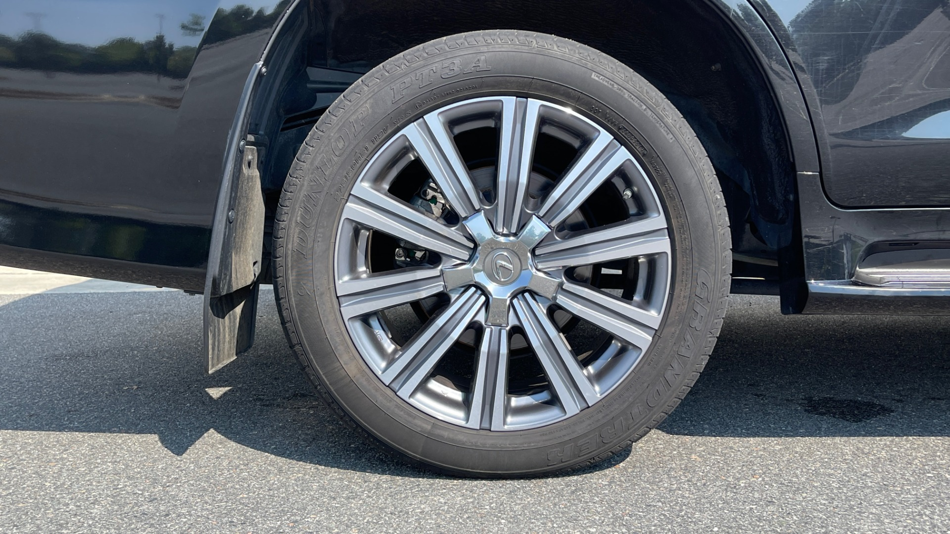 Used 2017 Lexus LX 570 LUXURY / 5.7L V8 / NAV / SUNROOF / 3-ROW / DVD / REARVIEW for sale $63,995 at Formula Imports in Charlotte NC 28227 77