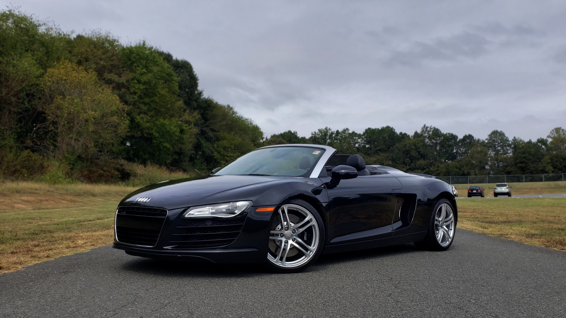 Used 2011 Audi R8 4.2L SPYDER QUATTRO / NAV / 19 IN WHEELS / LOW MILES for sale Sold at Formula Imports in Charlotte NC 28227 2
