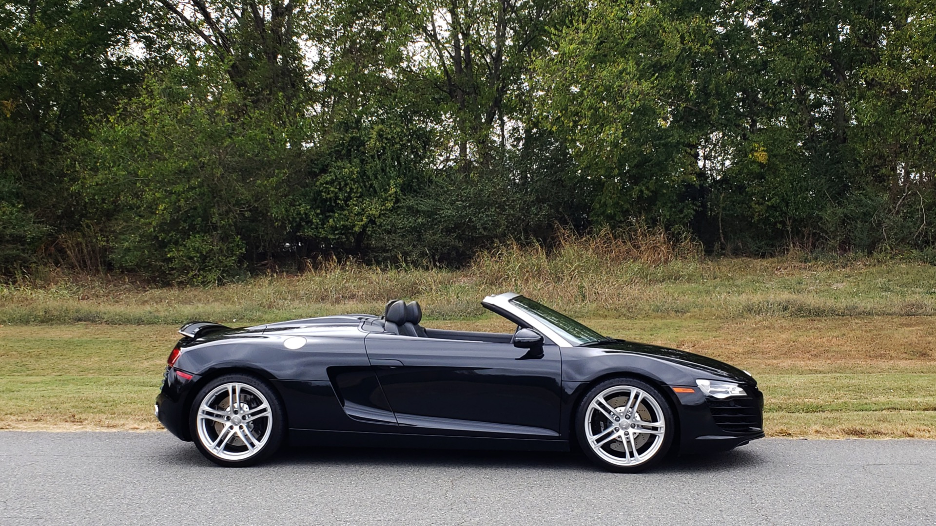 Used 2011 Audi R8 4.2L SPYDER QUATTRO / NAV / 19 IN WHEELS / LOW MILES for sale Sold at Formula Imports in Charlotte NC 28227 20