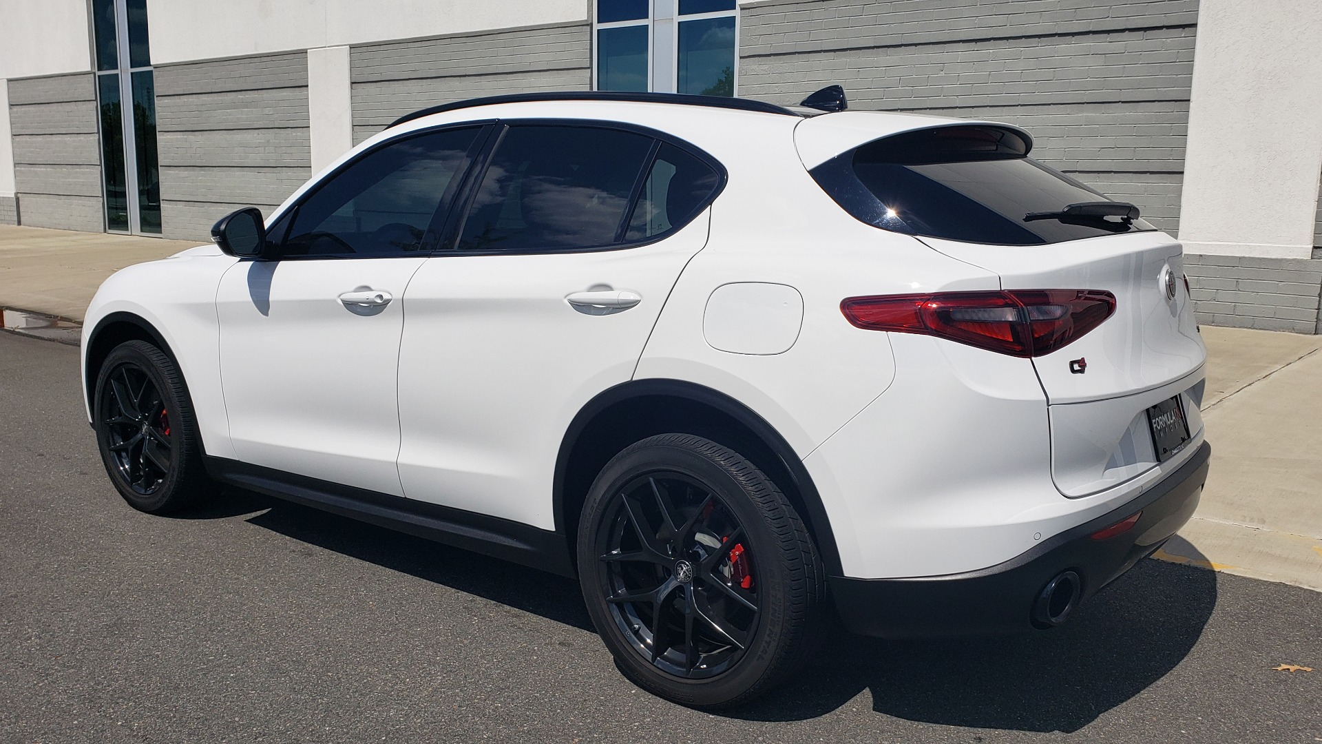 Used 2019 Alfa Romeo STELVIO TI SPORT AWD / 2.0L TURBO / 8-SPD AUTO / DRVR ASST / REARVIEW for sale $37,495 at Formula Imports in Charlotte NC 28227 10