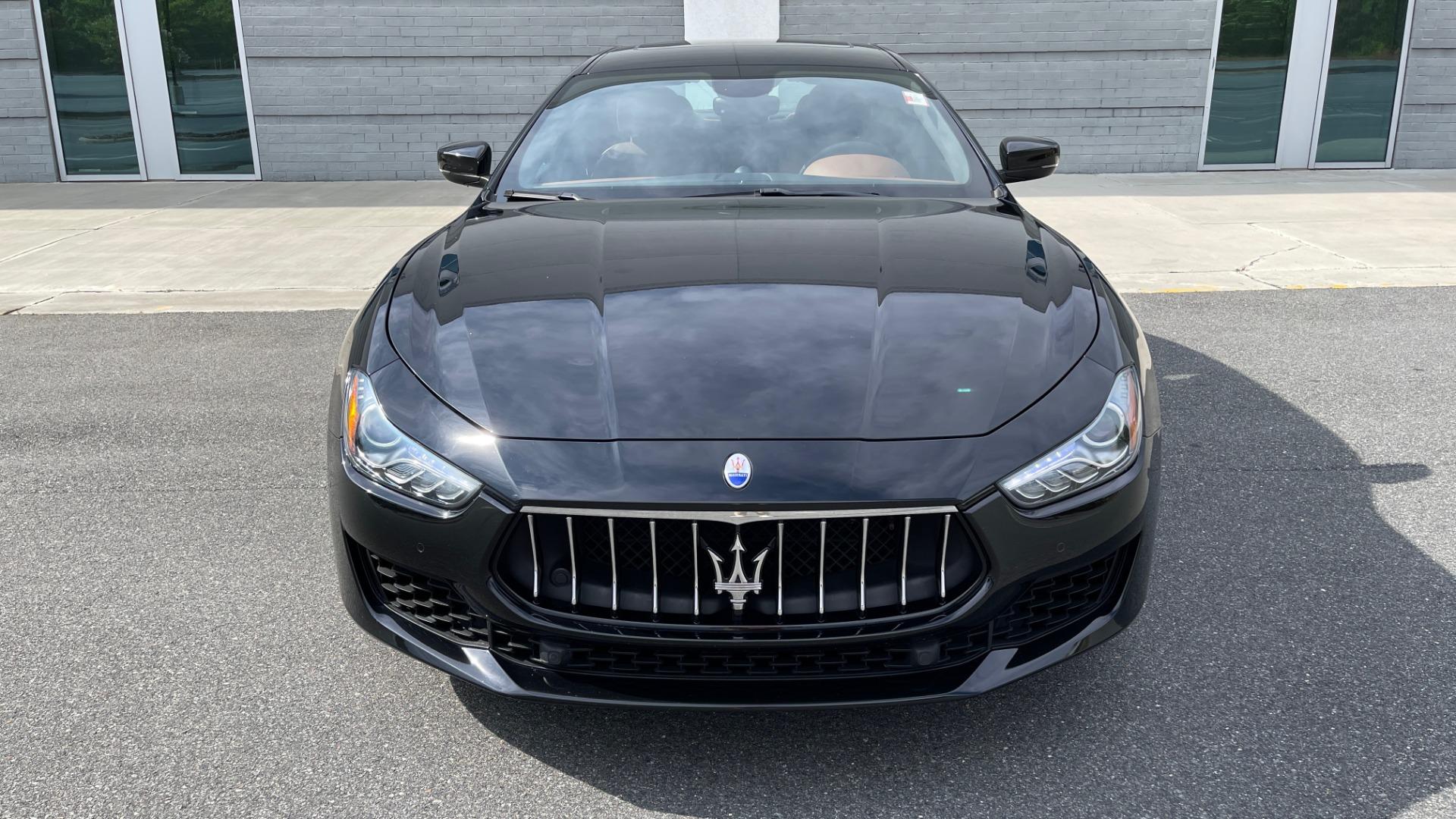 Used 2018 Maserati GHIBLI 3.0L SEDAN / 8-SPD AUTO / NAV / SUNROOF / REARVIEW for sale $42,995 at Formula Imports in Charlotte NC 28227 14