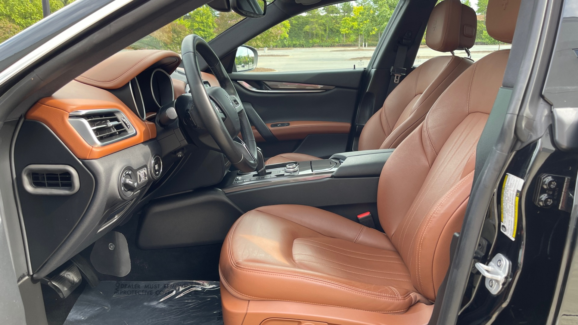 Used 2018 Maserati GHIBLI 3.0L SEDAN / 8-SPD AUTO / NAV / SUNROOF / REARVIEW for sale $42,995 at Formula Imports in Charlotte NC 28227 30