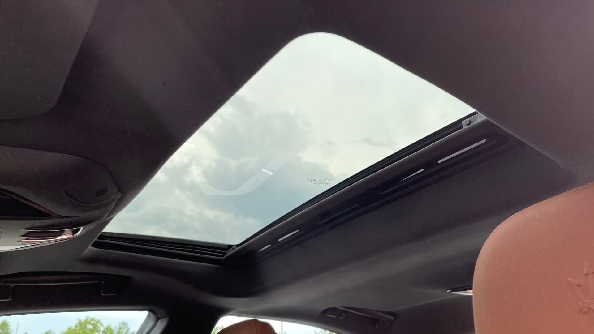 Used 2018 Maserati GHIBLI 3.0L SEDAN / 8-SPD AUTO / NAV / SUNROOF / REARVIEW for sale $42,995 at Formula Imports in Charlotte NC 28227 45