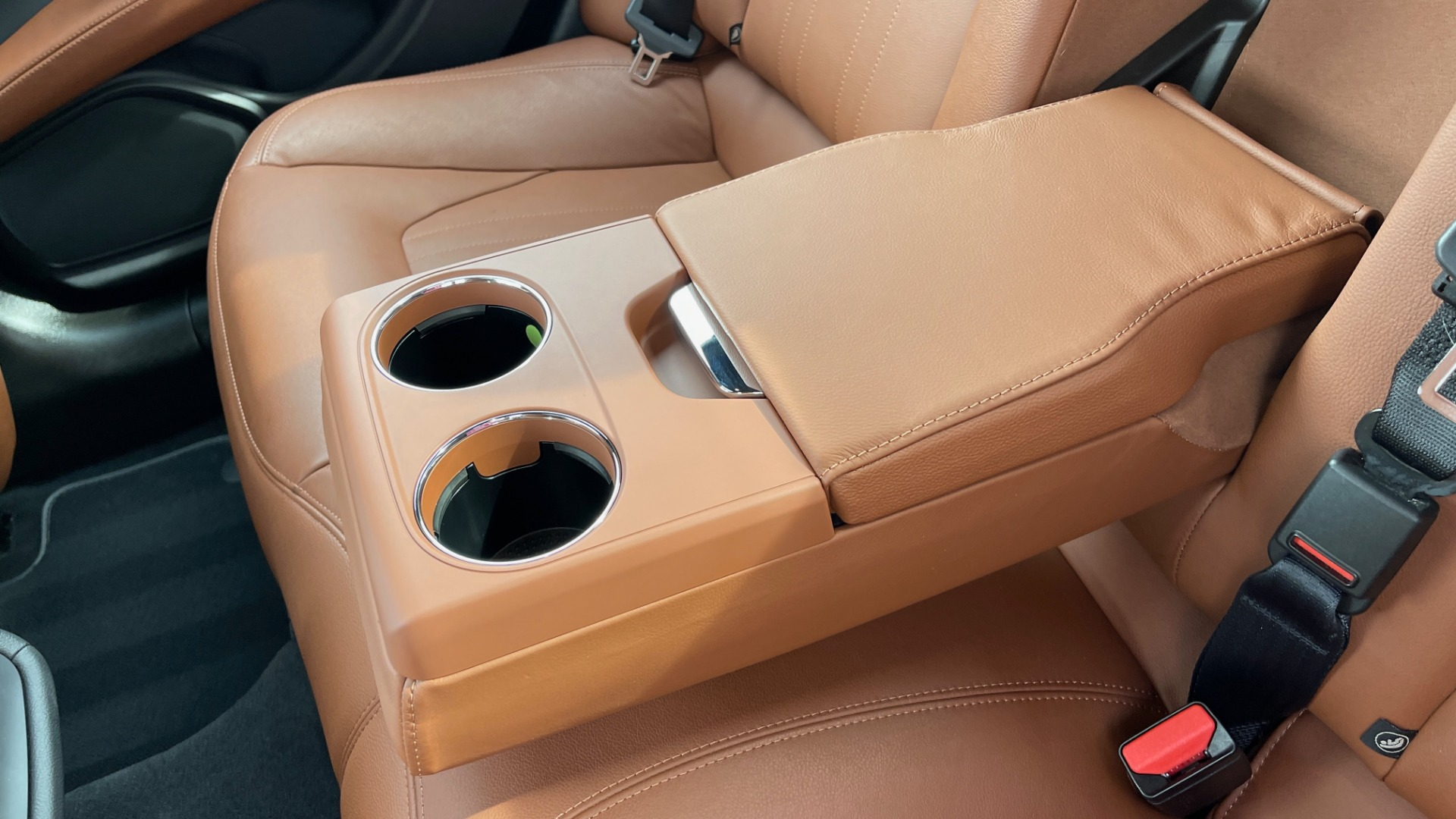 Used 2018 Maserati GHIBLI 3.0L SEDAN / 8-SPD AUTO / NAV / SUNROOF / REARVIEW for sale $42,995 at Formula Imports in Charlotte NC 28227 51