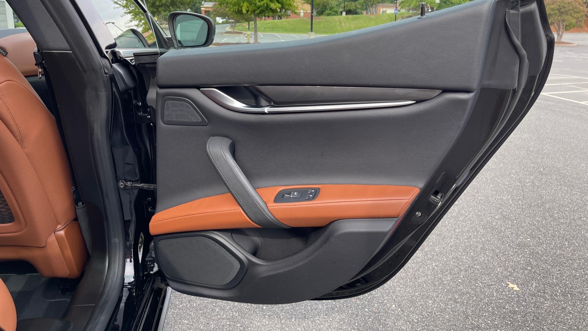 Used 2018 Maserati GHIBLI 3.0L SEDAN / 8-SPD AUTO / NAV / SUNROOF / REARVIEW for sale $42,995 at Formula Imports in Charlotte NC 28227 53