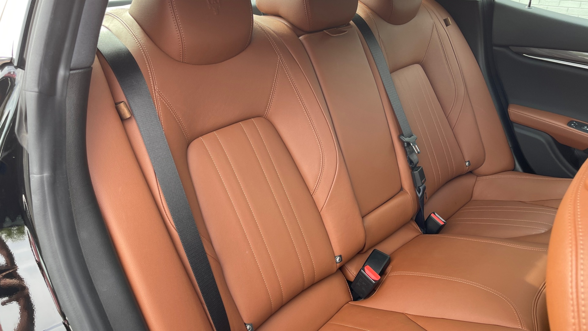 Used 2018 Maserati GHIBLI 3.0L SEDAN / 8-SPD AUTO / NAV / SUNROOF / REARVIEW for sale $42,995 at Formula Imports in Charlotte NC 28227 56