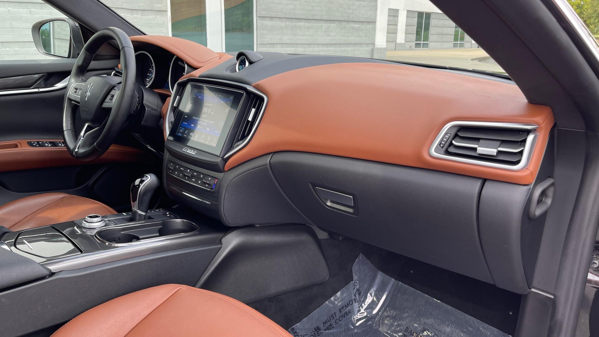 Used 2018 Maserati GHIBLI 3.0L SEDAN / 8-SPD AUTO / NAV / SUNROOF / REARVIEW for sale $42,995 at Formula Imports in Charlotte NC 28227 59