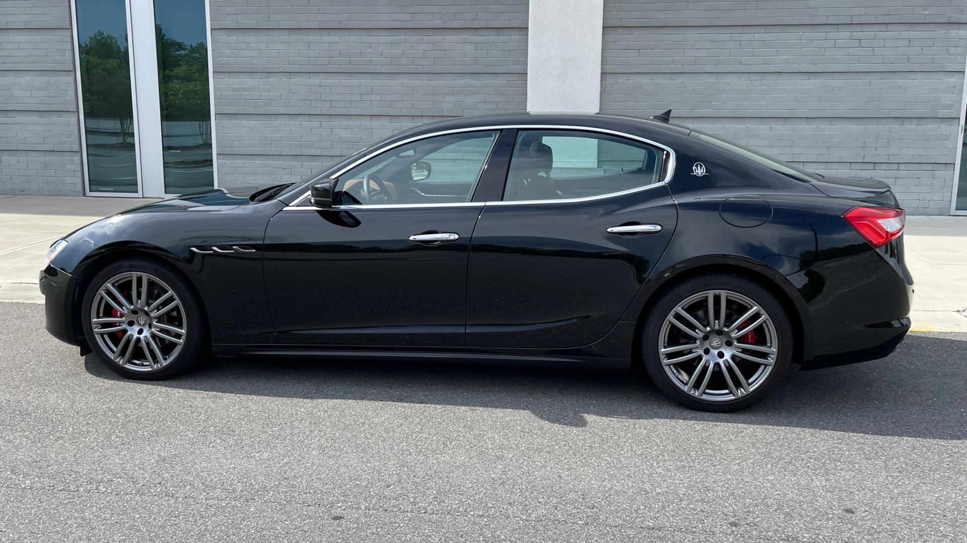 Used 2018 Maserati GHIBLI 3.0L SEDAN / 8-SPD AUTO / NAV / SUNROOF / REARVIEW for sale $42,995 at Formula Imports in Charlotte NC 28227 7