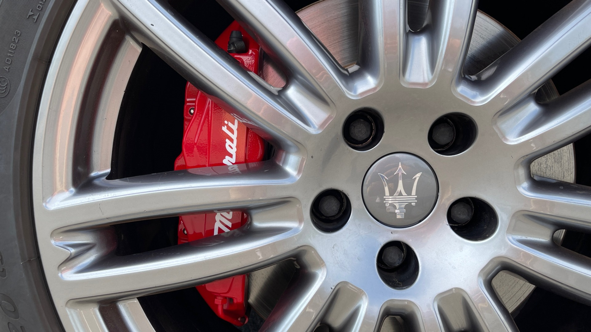 Used 2018 Maserati GHIBLI 3.0L SEDAN / 8-SPD AUTO / NAV / SUNROOF / REARVIEW for sale $42,995 at Formula Imports in Charlotte NC 28227 8