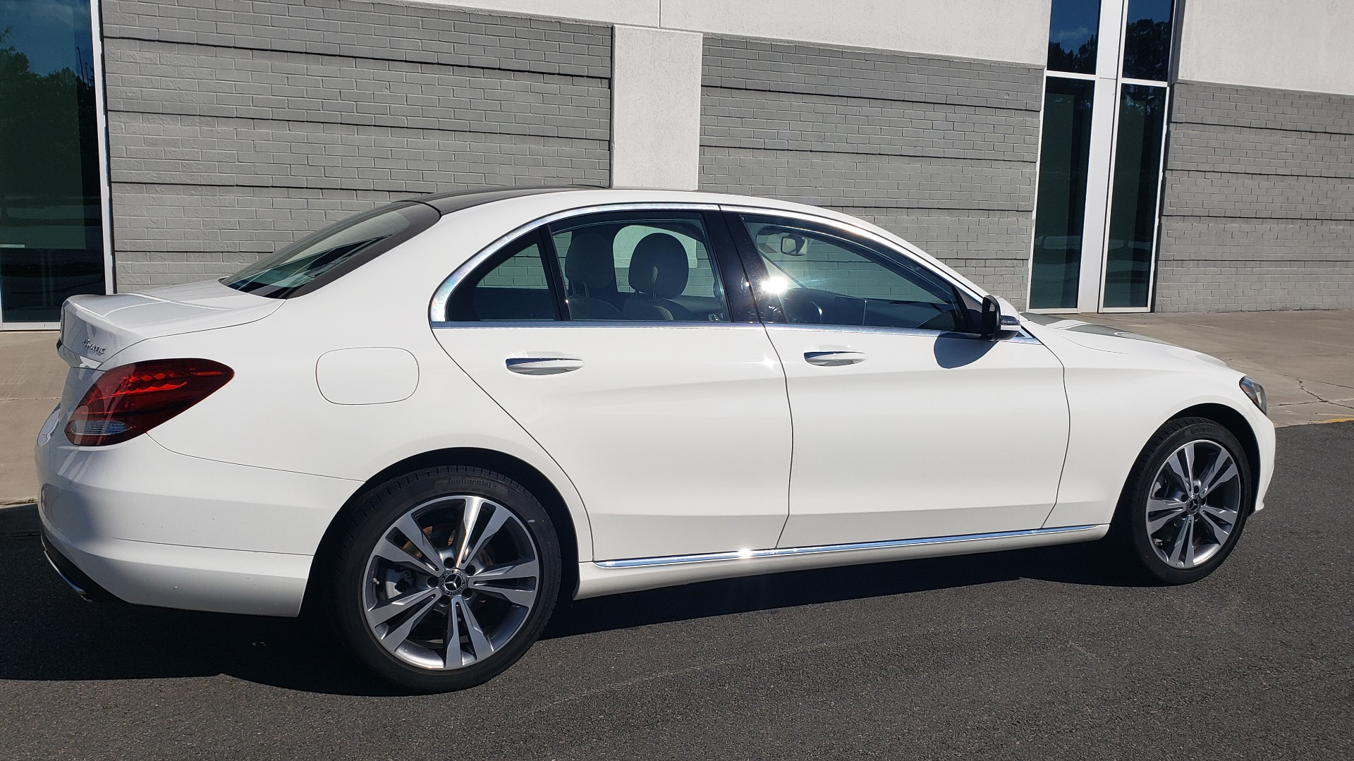 Used 2018 Mercedes-Benz C-Class C 300 4MATIC PREMIUM / APPLE CARPLAY / PANO-ROOF / REARVIEW for sale $33,795 at Formula Imports in Charlotte NC 28227 10