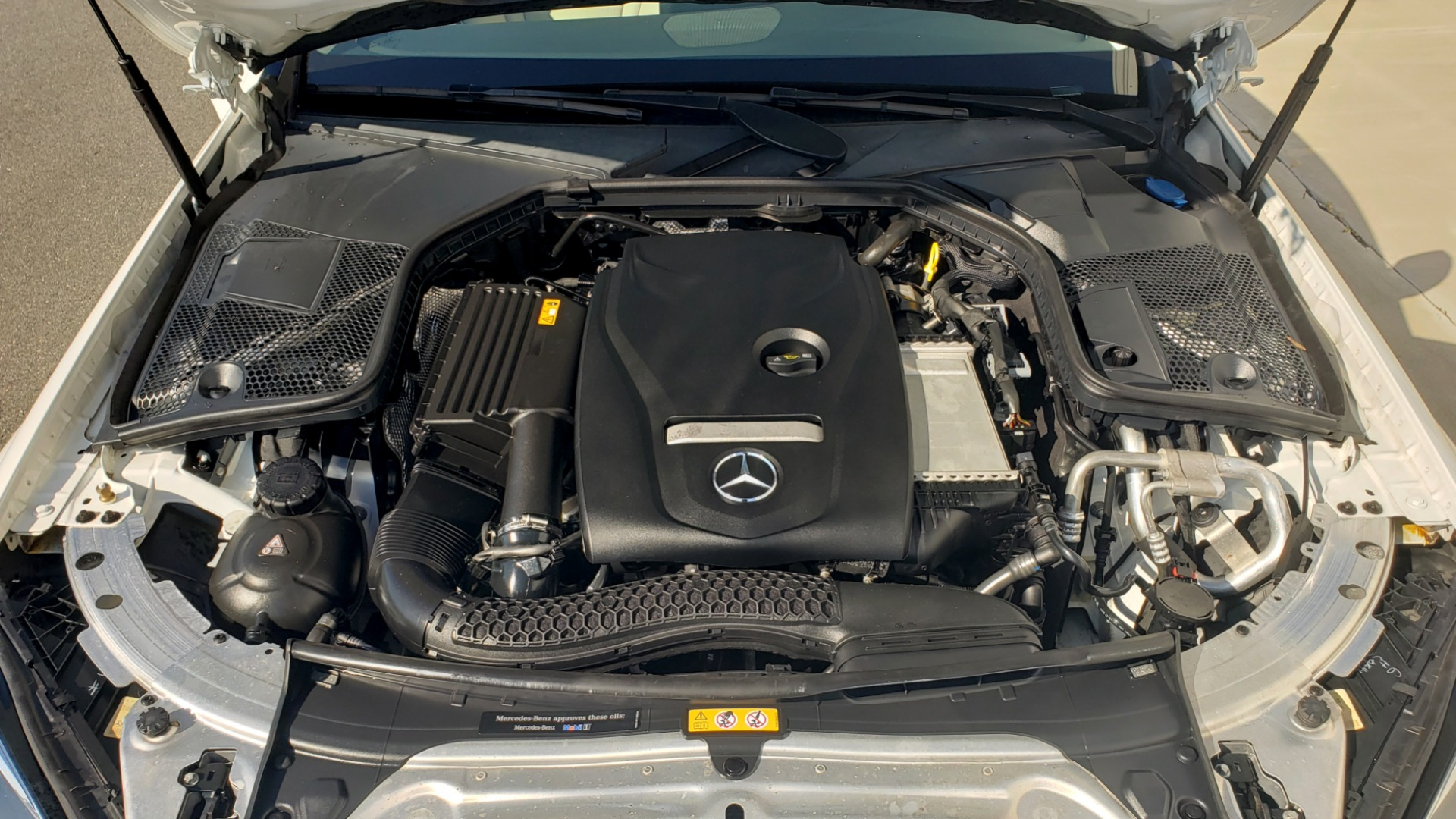 Used 2018 Mercedes-Benz C-Class C 300 4MATIC PREMIUM / APPLE CARPLAY / PANO-ROOF / REARVIEW for sale $33,795 at Formula Imports in Charlotte NC 28227 14
