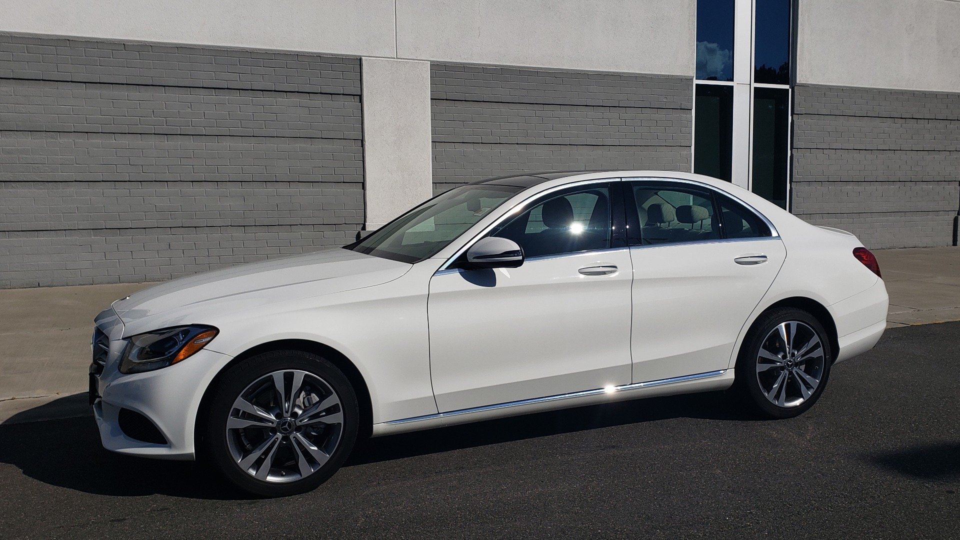 Used 2018 Mercedes-Benz C-Class C 300 4MATIC PREMIUM / APPLE CARPLAY / PANO-ROOF / REARVIEW for sale $33,795 at Formula Imports in Charlotte NC 28227 2