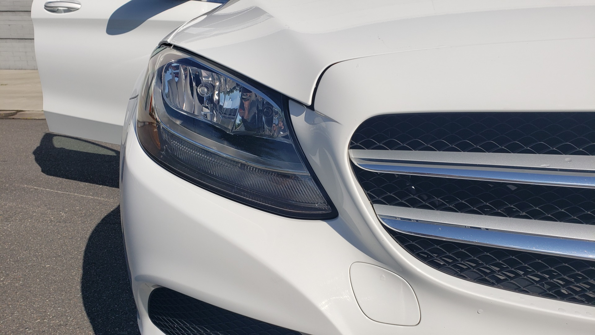 Used 2018 Mercedes-Benz C-Class C 300 4MATIC PREMIUM / APPLE CARPLAY / PANO-ROOF / REARVIEW for sale $33,795 at Formula Imports in Charlotte NC 28227 23