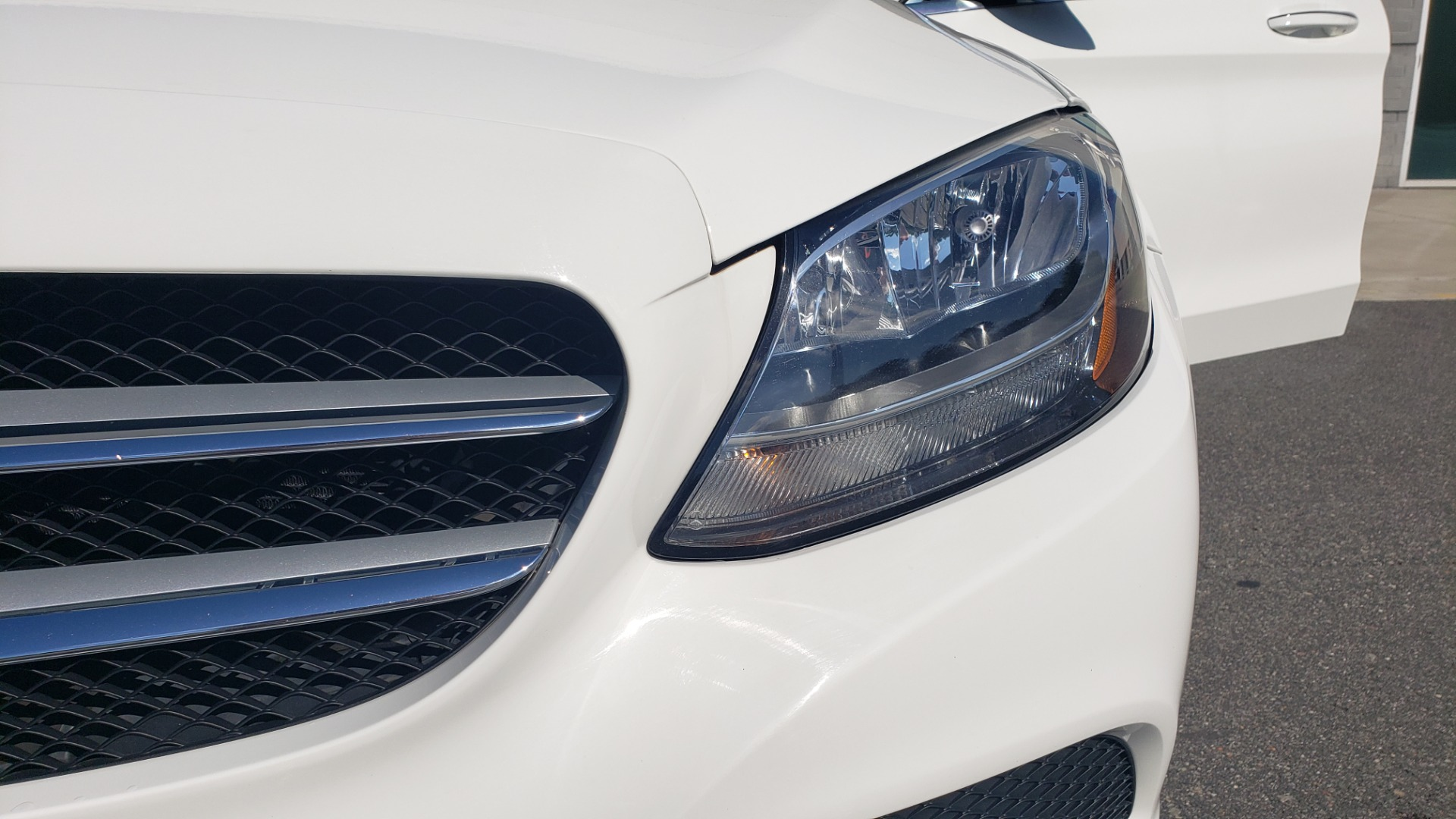 Used 2018 Mercedes-Benz C-Class C 300 4MATIC PREMIUM / APPLE CARPLAY / PANO-ROOF / REARVIEW for sale $33,795 at Formula Imports in Charlotte NC 28227 24