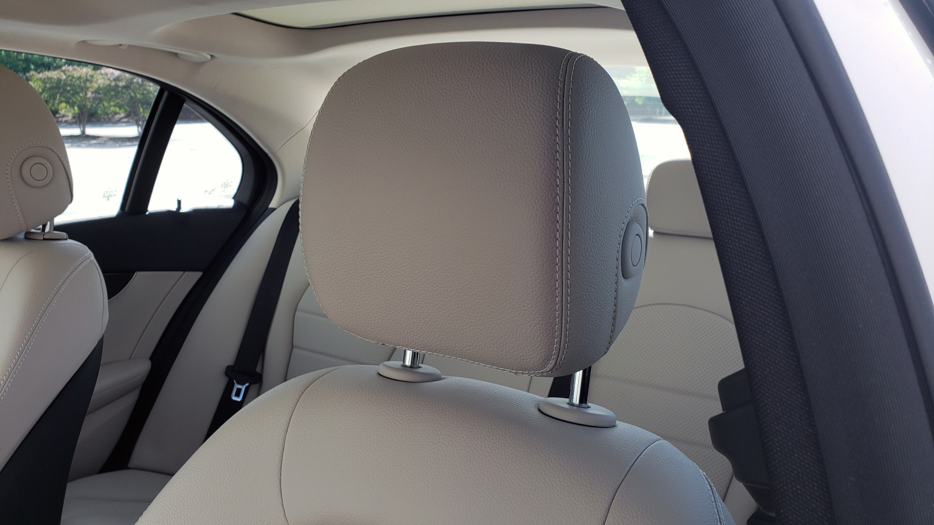Used 2018 Mercedes-Benz C-Class C 300 4MATIC PREMIUM / APPLE CARPLAY / PANO-ROOF / REARVIEW for sale $33,795 at Formula Imports in Charlotte NC 28227 35