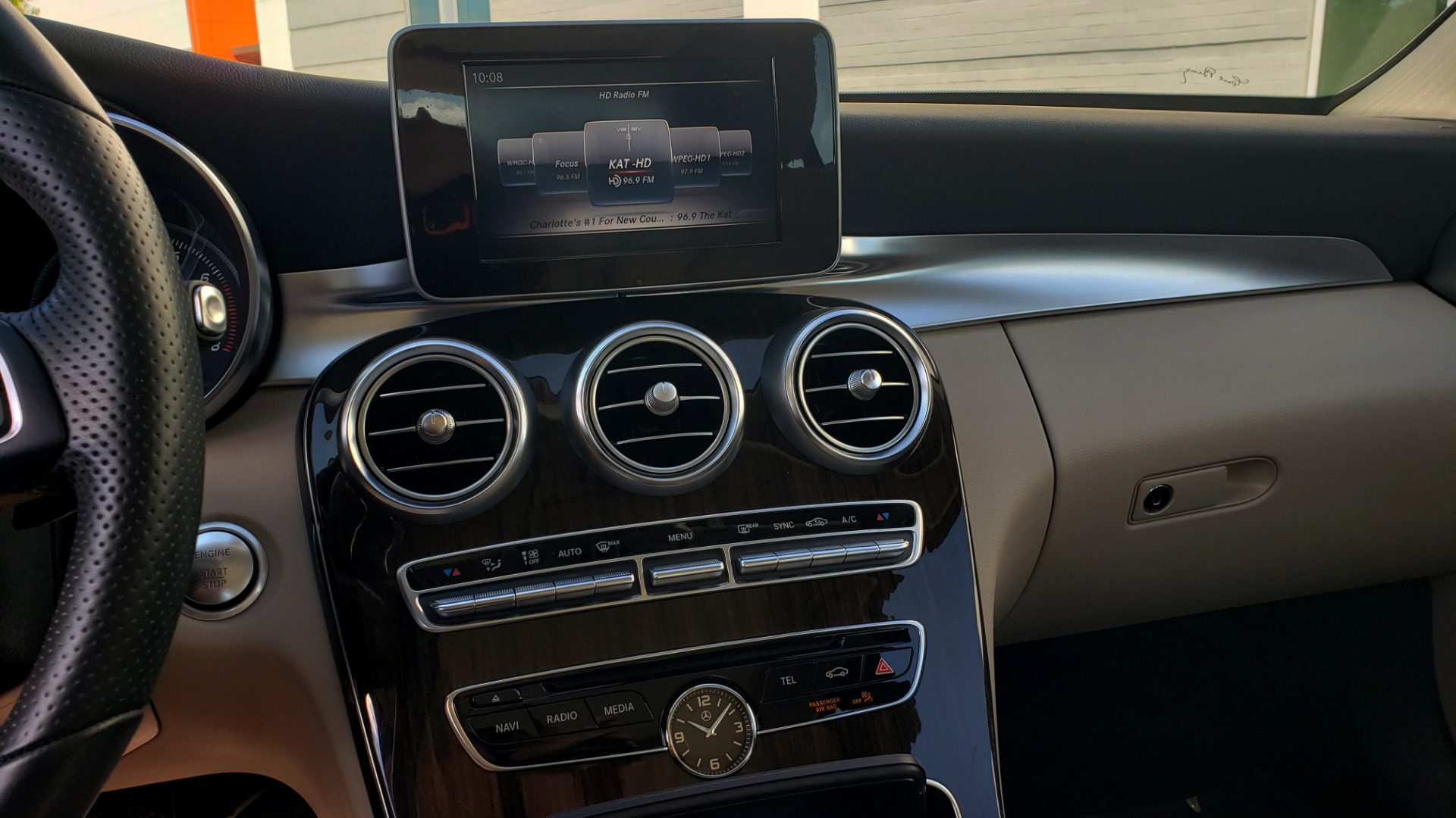 Used 2018 Mercedes-Benz C-Class C 300 4MATIC PREMIUM / APPLE CARPLAY / PANO-ROOF / REARVIEW for sale $33,795 at Formula Imports in Charlotte NC 28227 46