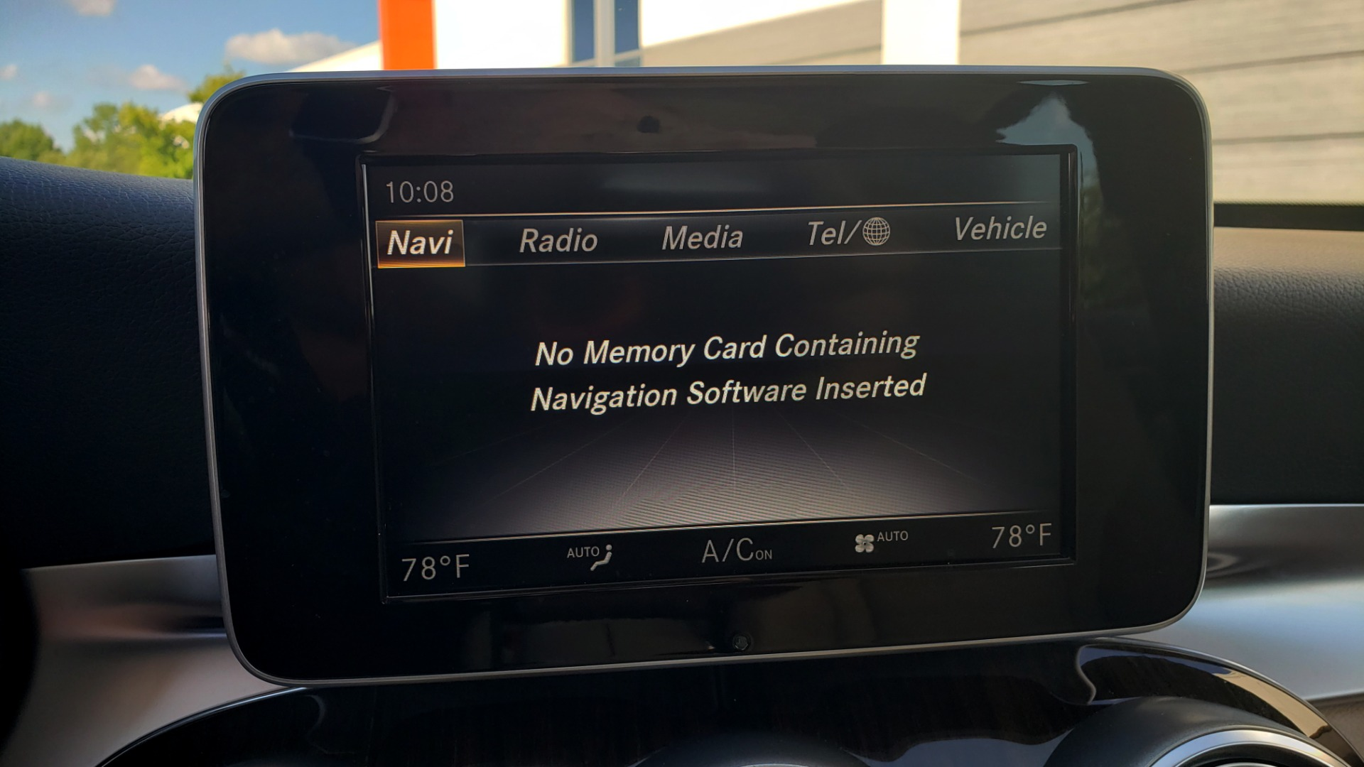 Used 2018 Mercedes-Benz C-Class C 300 4MATIC PREMIUM / APPLE CARPLAY / PANO-ROOF / REARVIEW for sale $33,795 at Formula Imports in Charlotte NC 28227 49