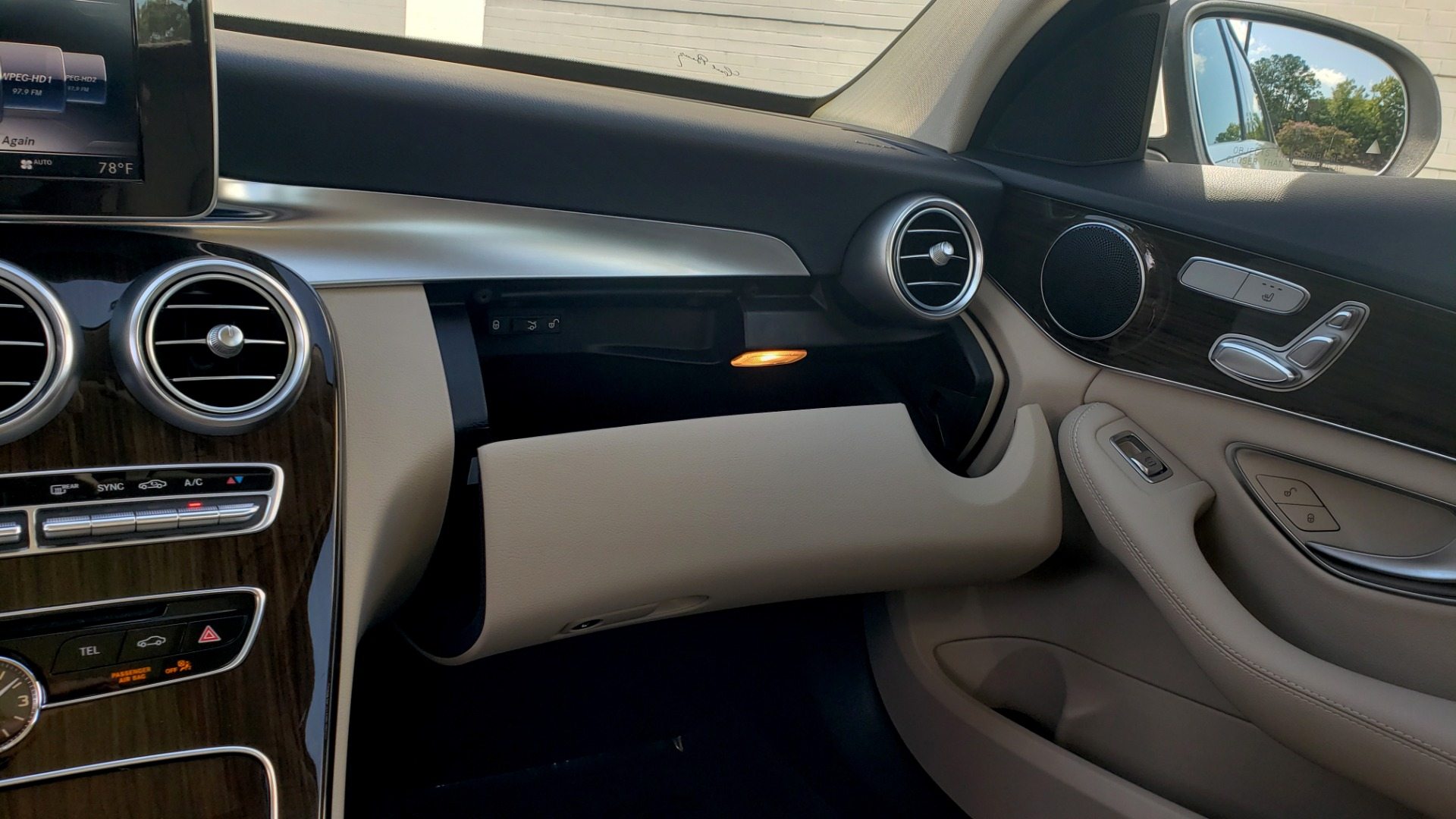 Used 2018 Mercedes-Benz C-Class C 300 4MATIC PREMIUM / APPLE CARPLAY / PANO-ROOF / REARVIEW for sale $33,795 at Formula Imports in Charlotte NC 28227 51