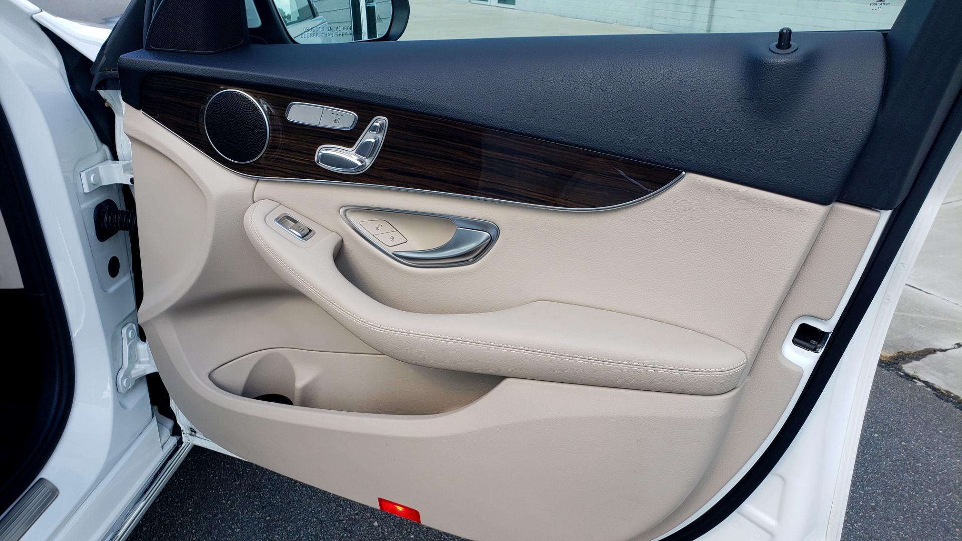 Used 2018 Mercedes-Benz C-Class C 300 4MATIC PREMIUM / APPLE CARPLAY / PANO-ROOF / REARVIEW for sale $33,795 at Formula Imports in Charlotte NC 28227 61