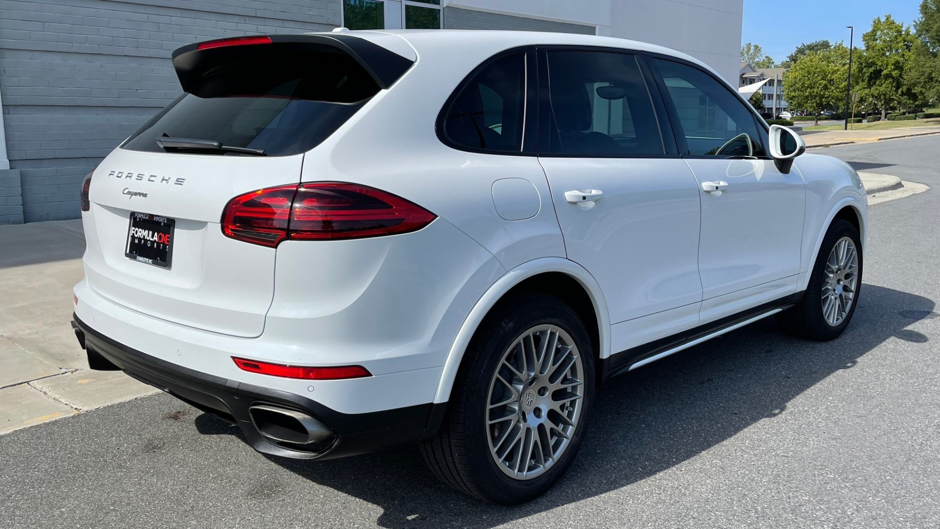 Used 2016 Porsche CAYENNE AWD / 3.6L TURBO / PREMIUM / BOSE / PANO-ROOF / NAV / LCA for sale $32,995 at Formula Imports in Charlotte NC 28227 2
