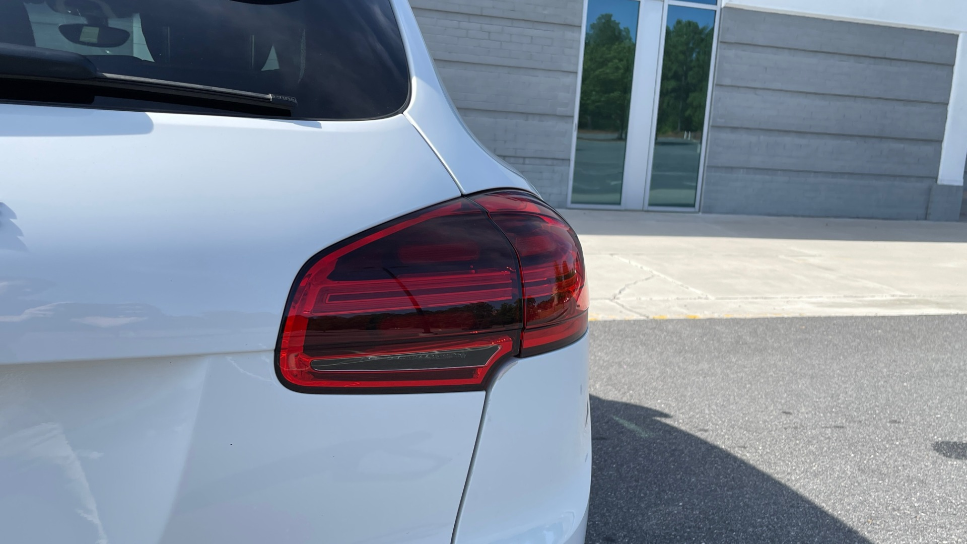 Used 2016 Porsche CAYENNE AWD / 3.6L TURBO / PREMIUM / BOSE / PANO-ROOF / NAV / LCA for sale $32,995 at Formula Imports in Charlotte NC 28227 24
