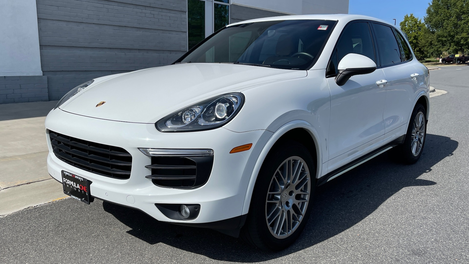 Used 2016 Porsche CAYENNE AWD / 3.6L TURBO / PREMIUM / BOSE / PANO-ROOF / NAV / LCA for sale $32,995 at Formula Imports in Charlotte NC 28227 3