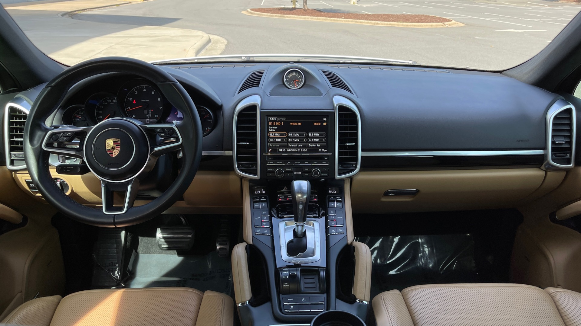 Used 2016 Porsche CAYENNE AWD / 3.6L TURBO / PREMIUM / BOSE / PANO-ROOF / NAV / LCA for sale $32,995 at Formula Imports in Charlotte NC 28227 49