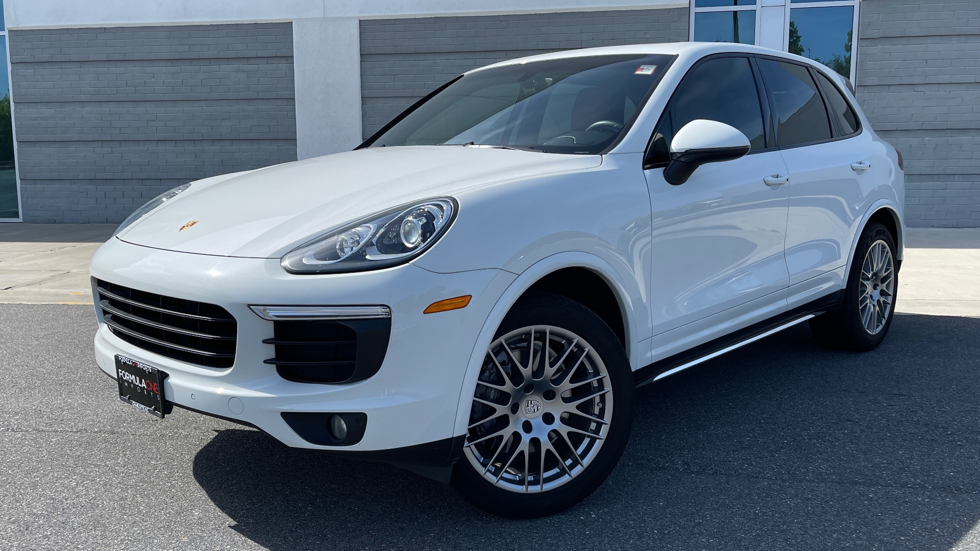 Used 2016 Porsche CAYENNE AWD / 3.6L TURBO / PREMIUM / BOSE / PANO-ROOF / NAV / LCA for sale $32,995 at Formula Imports in Charlotte NC 28227 1