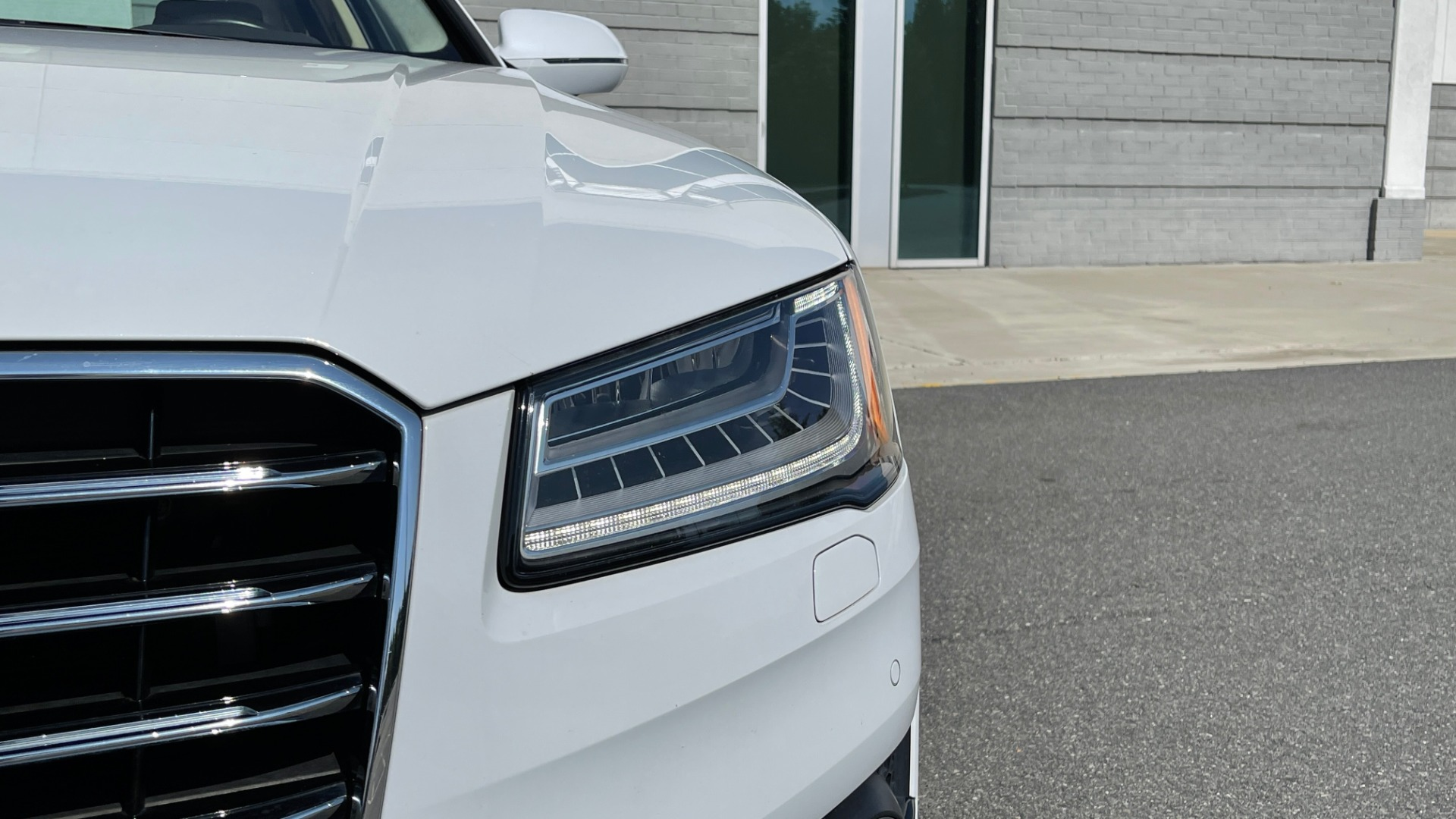 Used 2018 Audi A8 L SPORT 4.0T / EXECUTIVE PKG / NAV / BOSE / SUNROOF / REARVIEW for sale Sold at Formula Imports in Charlotte NC 28227 16