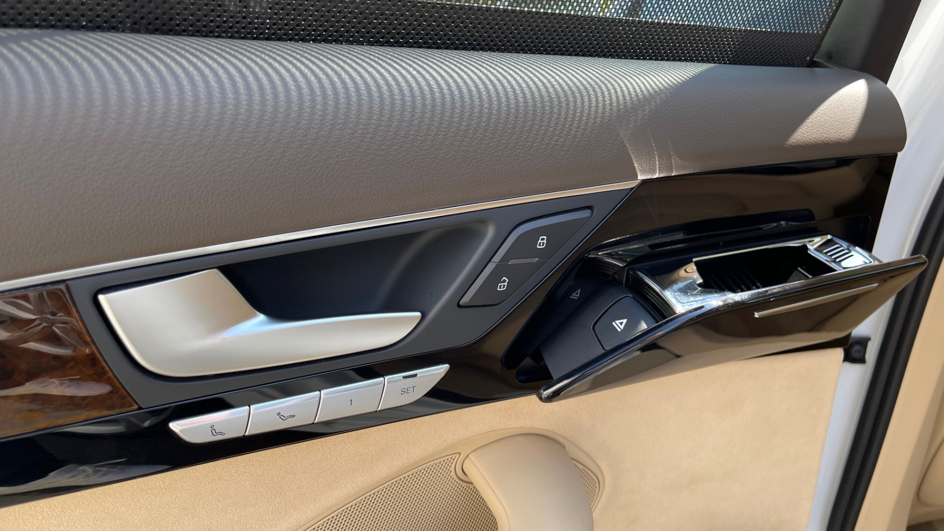Used 2018 Audi A8 L SPORT 4.0T / EXECUTIVE PKG / NAV / BOSE / SUNROOF / REARVIEW for sale Sold at Formula Imports in Charlotte NC 28227 57