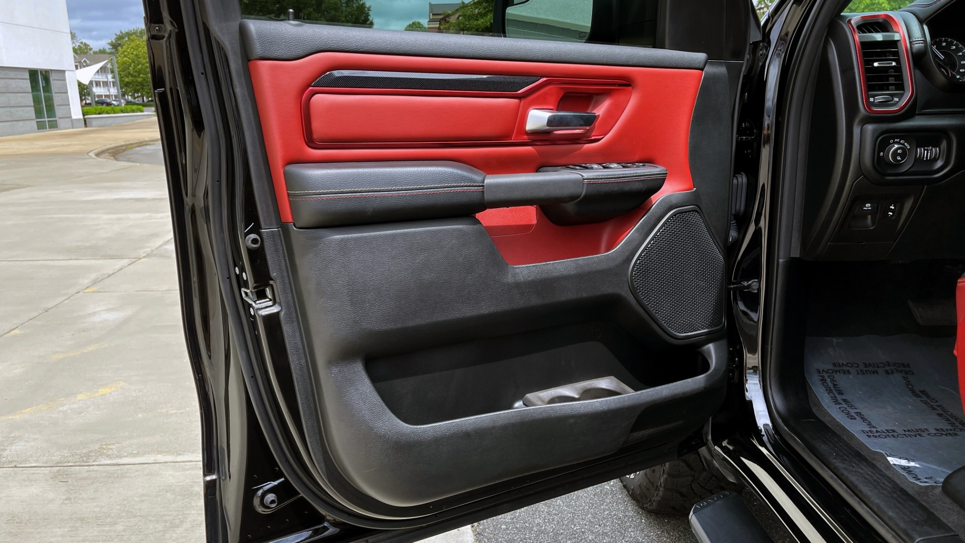 Used 2019 Ram 1500 REBEL QUADCAB 4X4 / 5.7L HEMI / 8-SPD AUTO / REMOTE START / PARK ASSIST for sale $44,495 at Formula Imports in Charlotte NC 28227 27