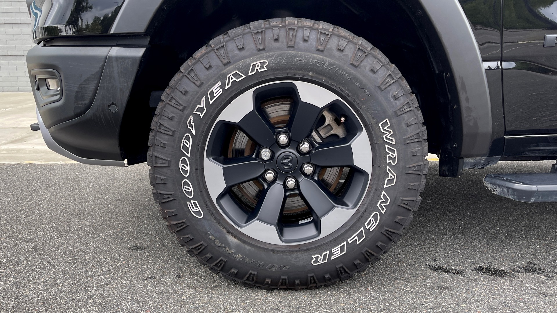 Used 2019 Ram 1500 REBEL QUADCAB 4X4 / 5.7L HEMI / 8-SPD AUTO / REMOTE START / PARK ASSIST for sale $44,495 at Formula Imports in Charlotte NC 28227 69